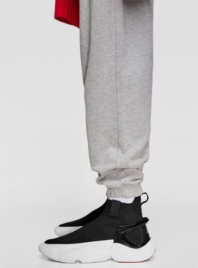 סניקרס BLACK SOCK-STYLE HIGH-TOP SNEAKERS. zara.צילום: פינטרסט
