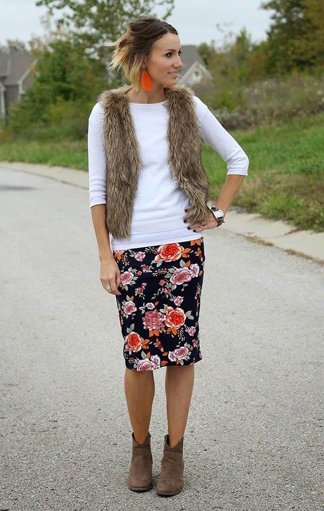 אופנה, Floral pencil skirt fur vest and ankle boots