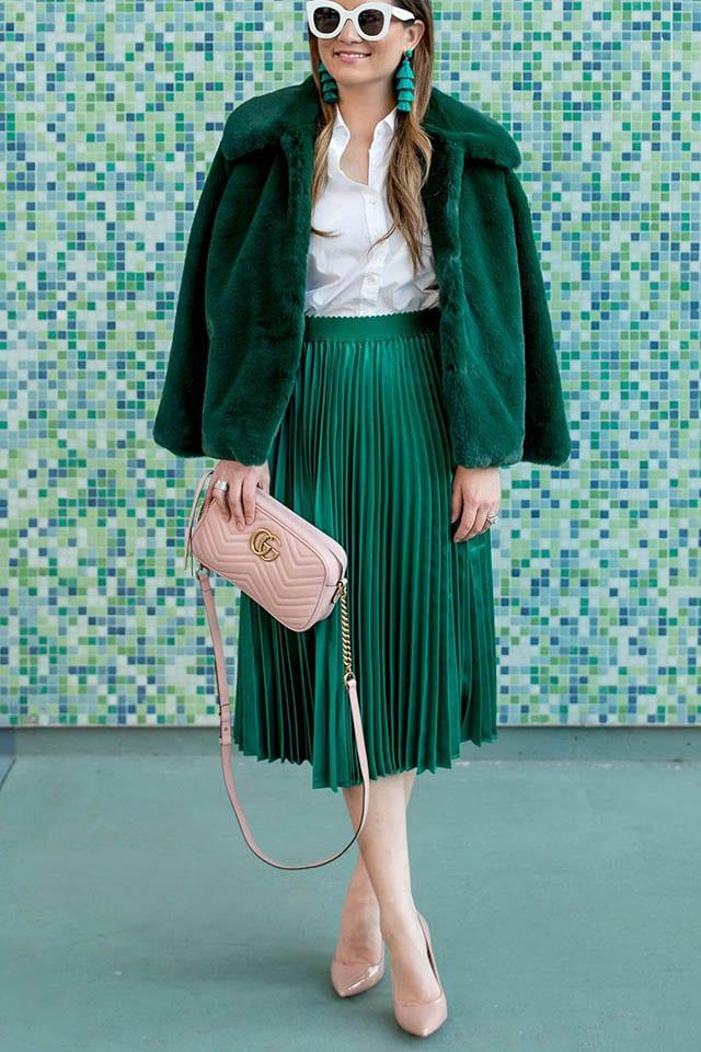 אופנה, Green Satin Pleated Midi Skirt and Faux Fur Jacket