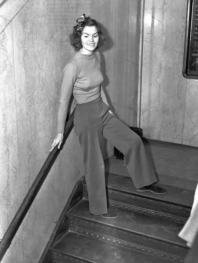 הלן הוליק נשלחה לכלא כי הגיעה לבית המשפט כשהיא לבושה במכנסיים. 1938
