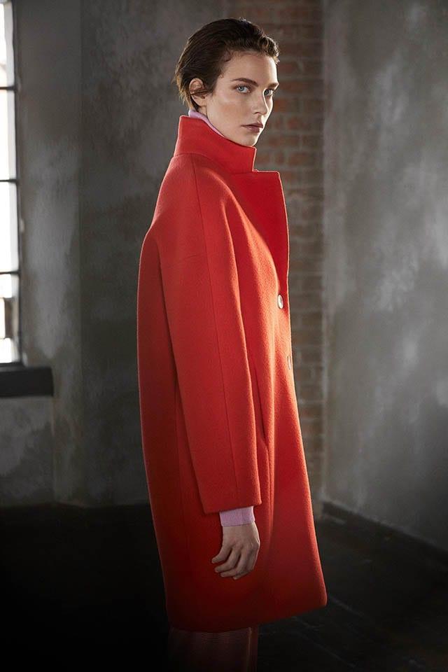 פיאצה סמפיונה מעיל צמר אדום, חדשות האופנה