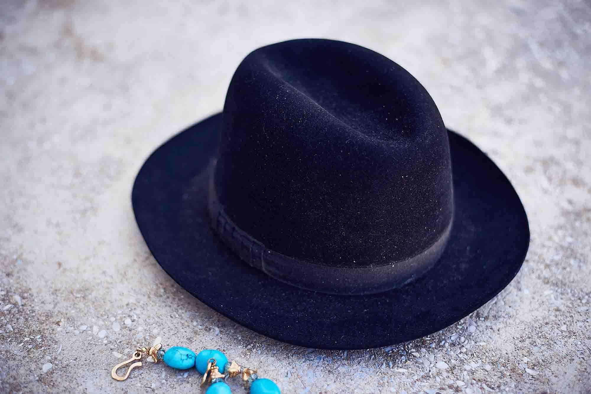 כובע לובשת וינטג מחיר 200 שח צילום kim kandler, מגזין אופנה