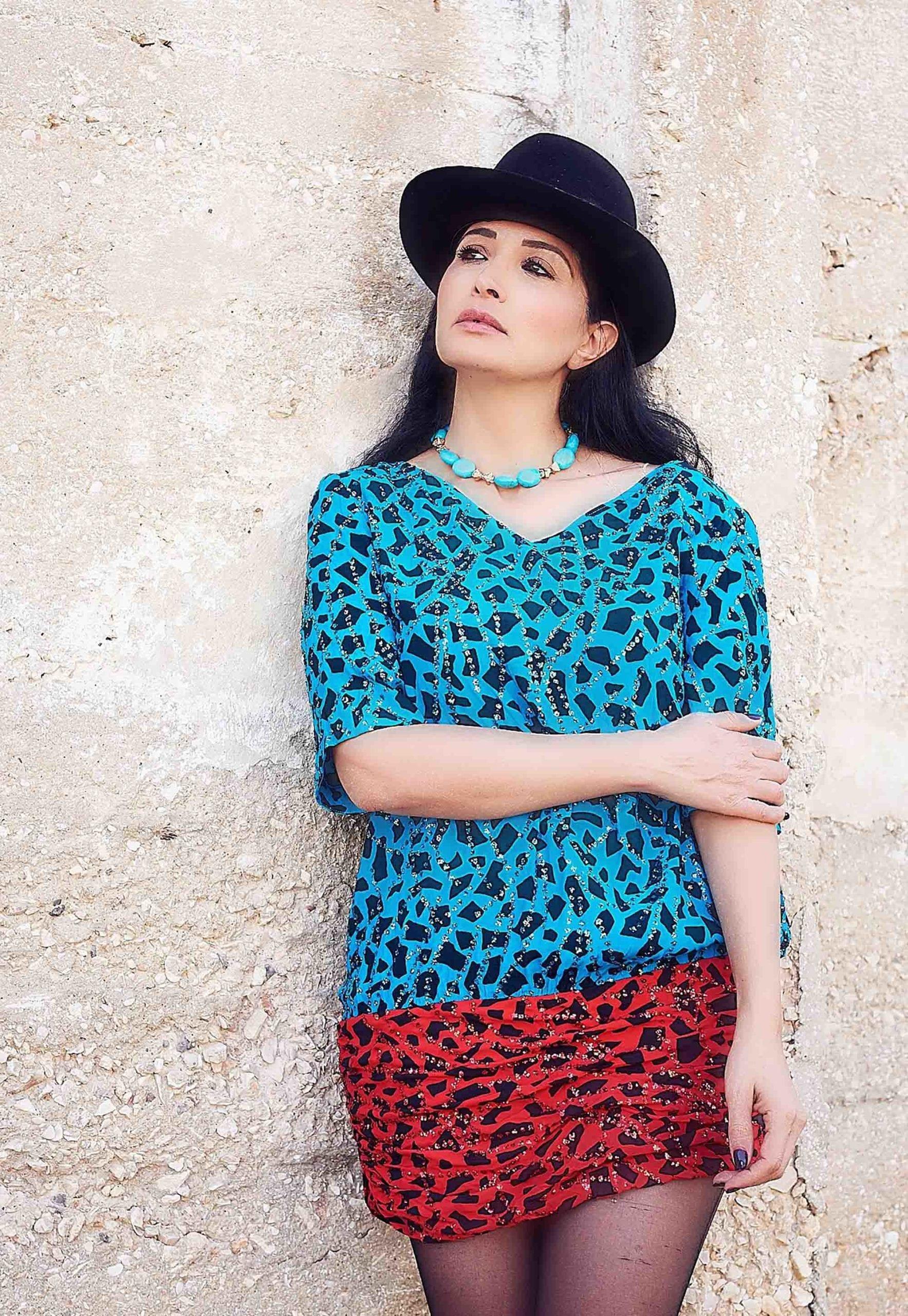 שמלה שנות ה- 80 לובשת וינטג מחיר 250 שח צילום kim kandler, מגזין אופנה