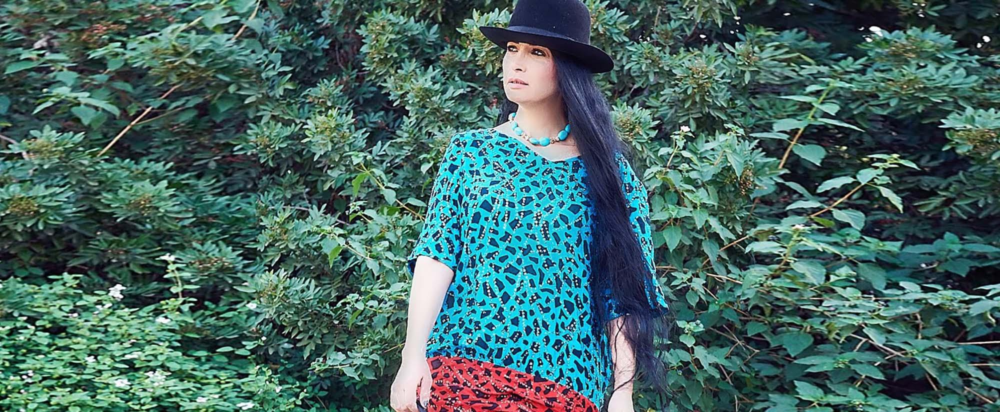 שמלה שנות ה- 80 לובשת וינטג צילום kim kandler, מגזין אופנה