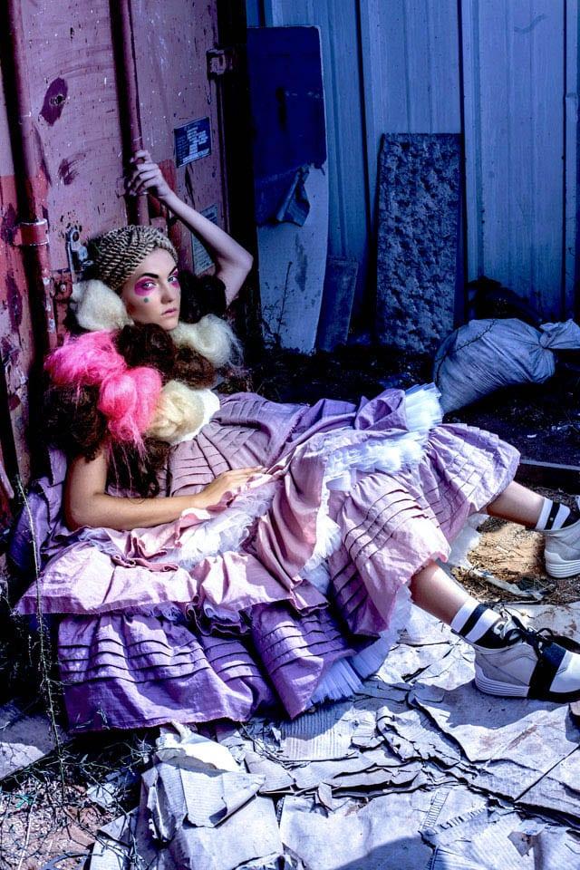 קולקציית גמר של דניאל נאווי, בוגרת ״שנקר״, צילום: גלעד קבלרו, איפור: דידי פז, עיצוב שיער: שרון פור, סטיילינג: אלינה פייס, דוגמנית: Olya ל-MC2. הפקה: Fashion Israel, מגזין אופנה