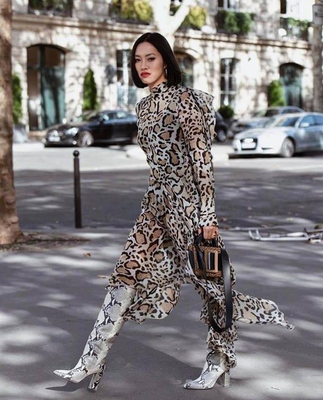 מגפיים עור נחדש כסוף, מגזין אופנה, חדשות האופנה