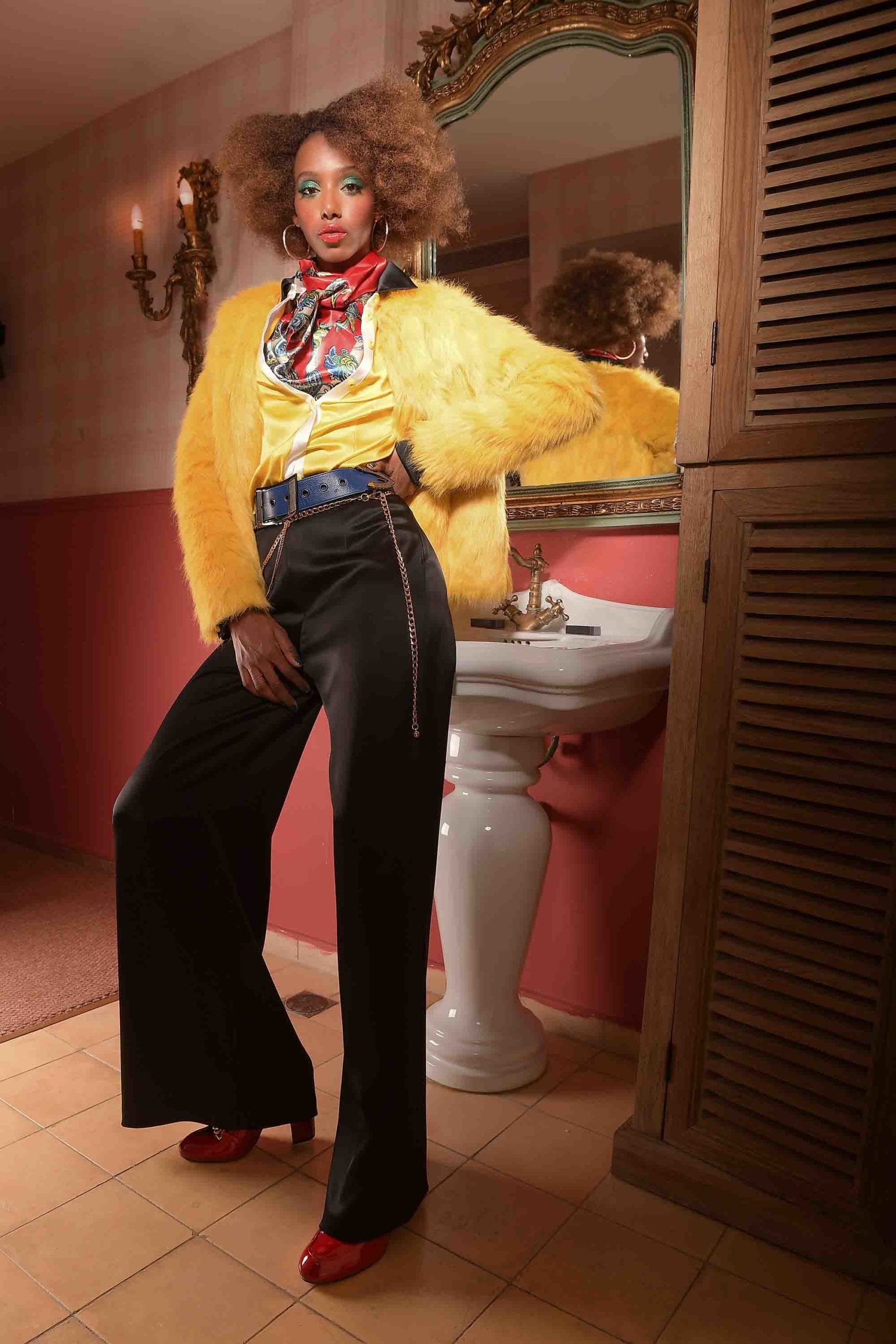 צילום: אילן סימן טוב סטיילינג: קסניה רויטבורג איפור: דידי פז עיצוב שיער: שרון פור דוגמנית: מזל מרשה ל-MC2 עיצוב אופנה: יובל רביד - כיכר המדינה, הפקות אופנה - 888