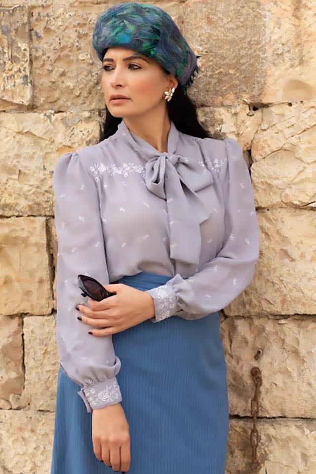 חולצה: לידיה מסינג יפו, מאיה אושרי כהן. צילום: Elom Gidon, אופנת נשים