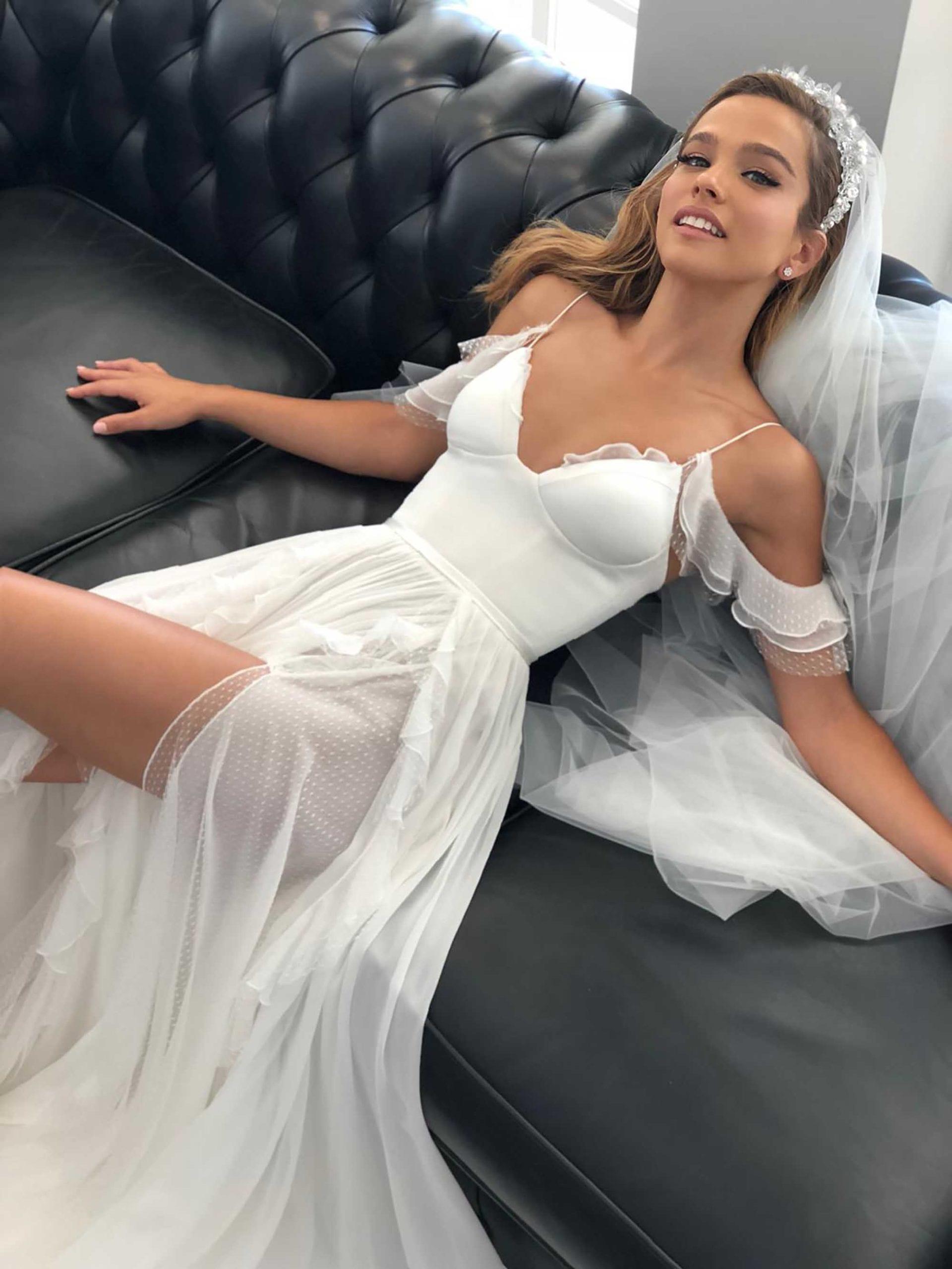 אגם רודברג בשמלה של אלון ליבנה צילום יחצ , מגזין אופנה