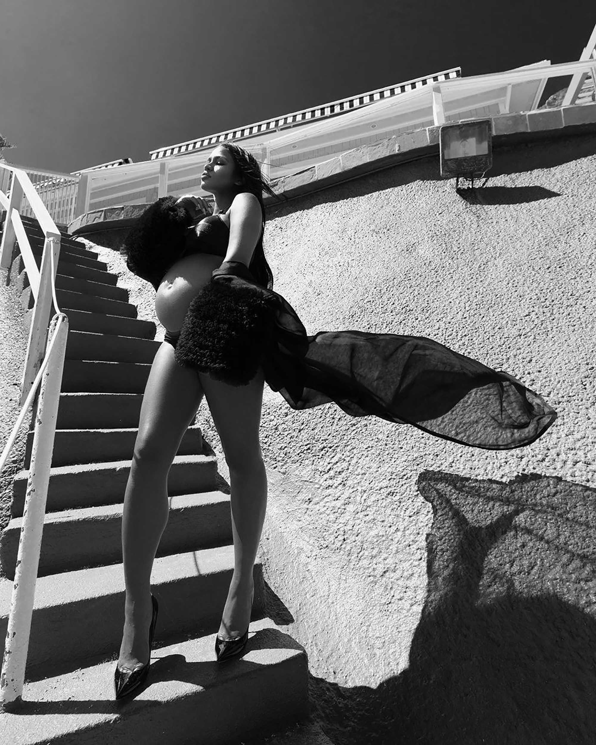 הזמרת קאסי בשמלת אורגנזה משי של אלון ליבנה ספטמבר 2019 צילום יחצ חול