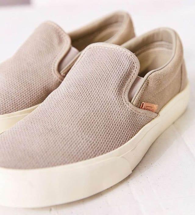 Vans Classic Knit Suede Slip-On Womens Sneaker - Urban Outfitters_, חדשות האופנה