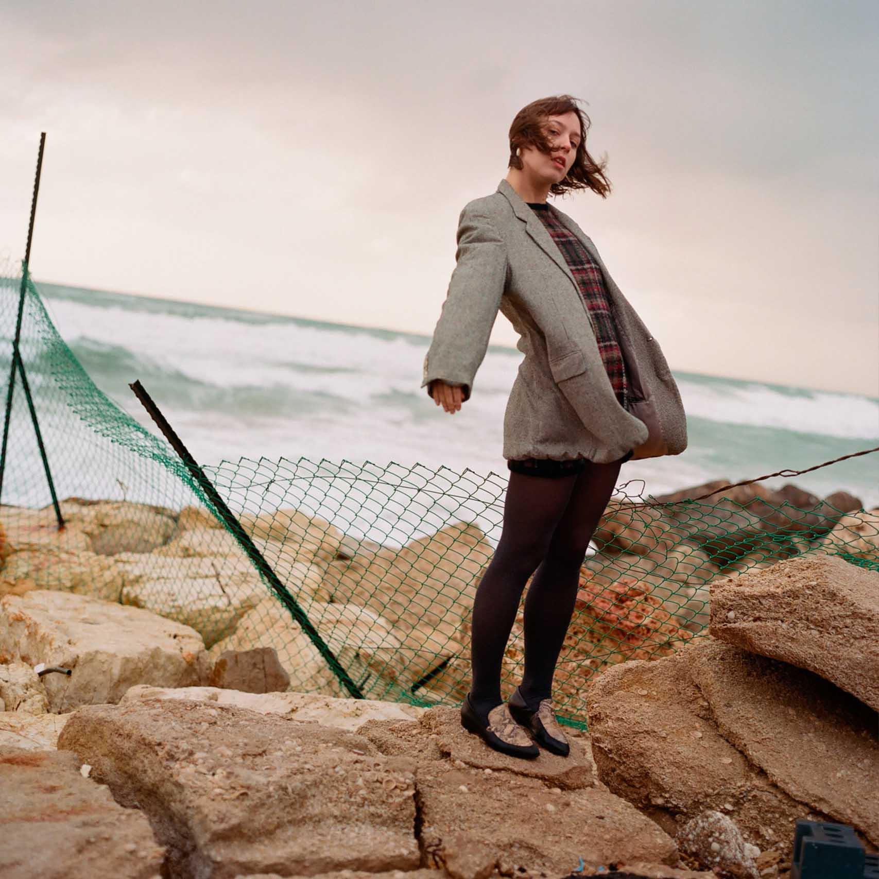 הפקות אופנה, צילום: עוז ברק, דוגמנית: Christina Hlybova, אופנה: ונטה -מגזין אופנה ישראלי - 8