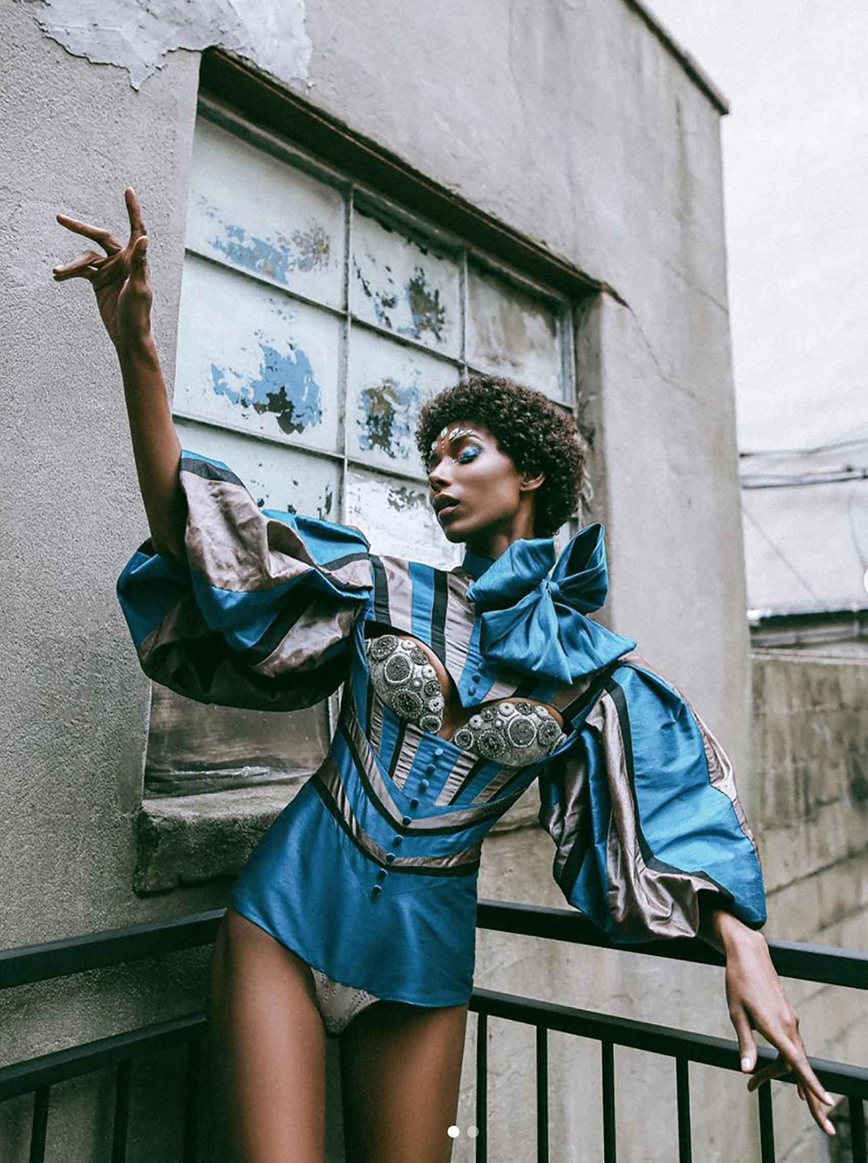 בגד-גוף-ויקטוריאני-של-המותג-MonaLizabeth-אופנה