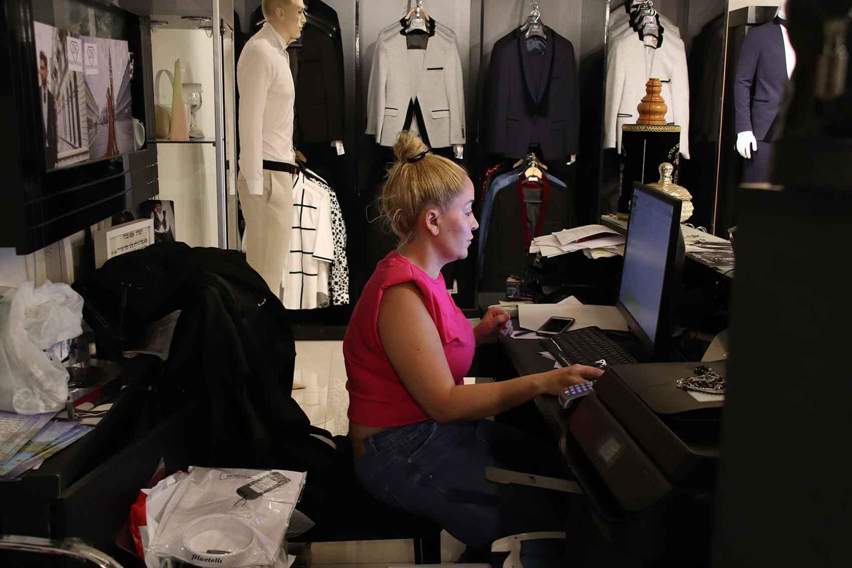 דורין-סגול-חליפות-חתן-אופנת-גברים--2