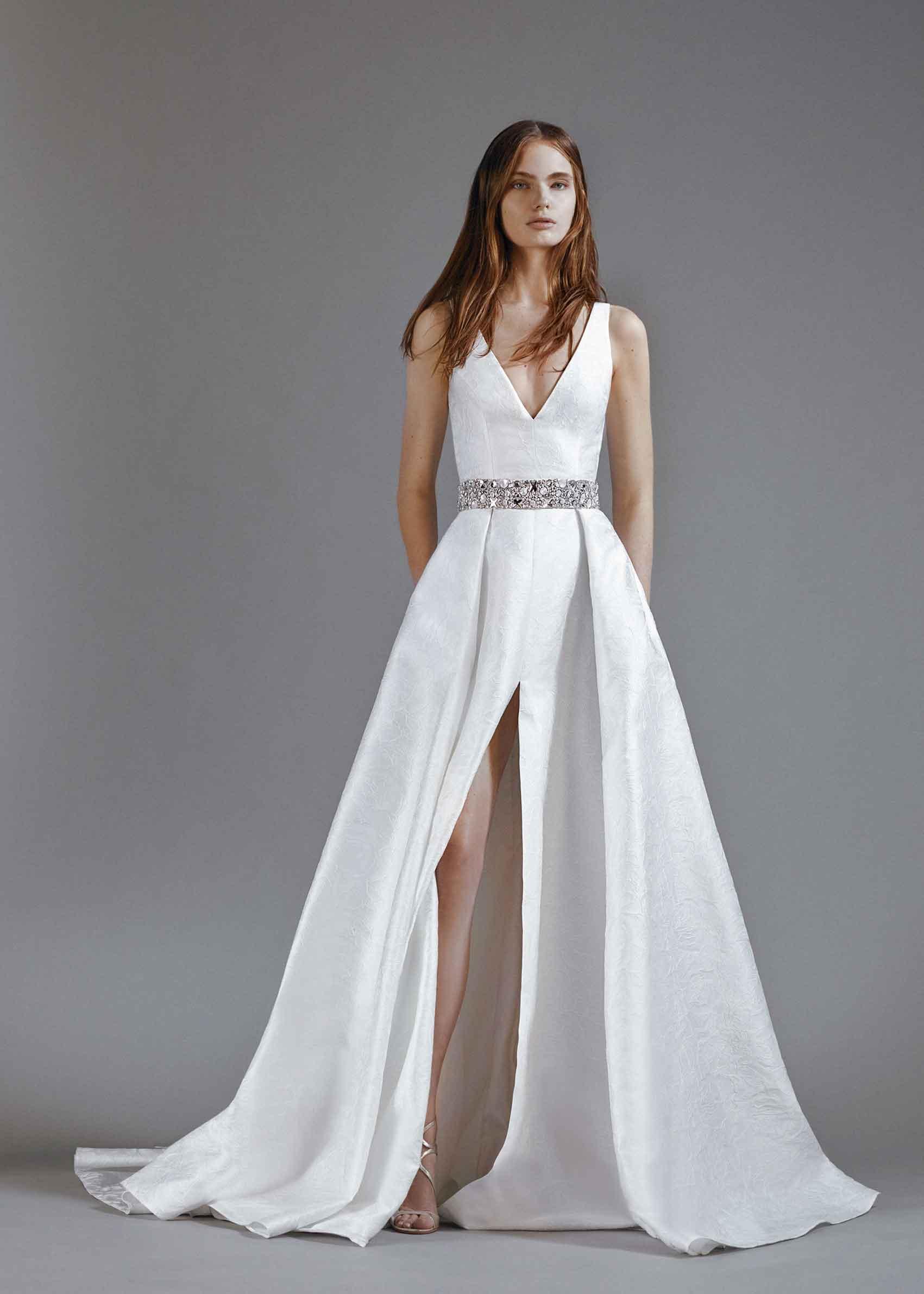 גליה להב, בית אופנה בינלאומי לשמלות כלה וערב, פותח אתר און ליין המציע שמלות כלה מוכנות ללבישה במחירים נגישים