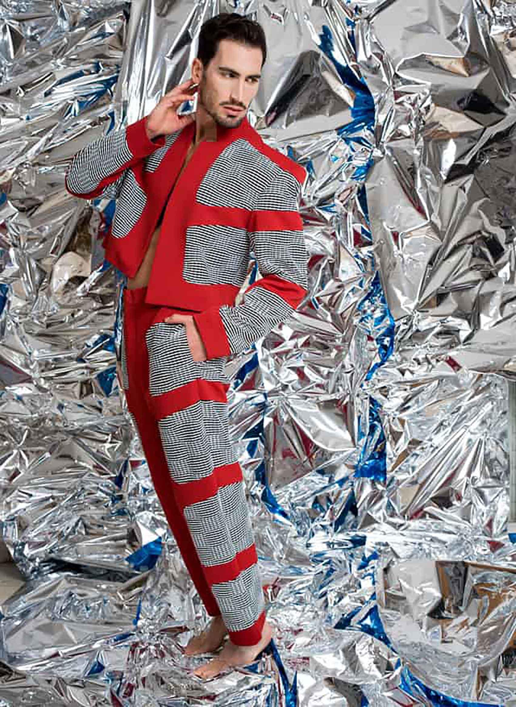 עיצוב אופנה: תומר סטולבוב: מיטל אזולאי, איפור: מאיה אפרת, עיצוב שיער: Emmanuel Chicheportiche, דוגמן: אייל אור