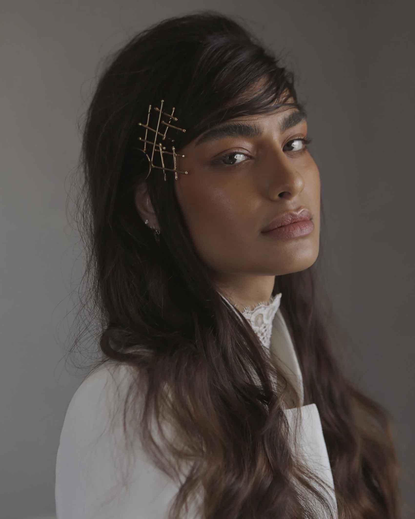 אין-דהאן-קולקיית-גמר-שנקר-2020-דוגמנית-מגזין-אופנה