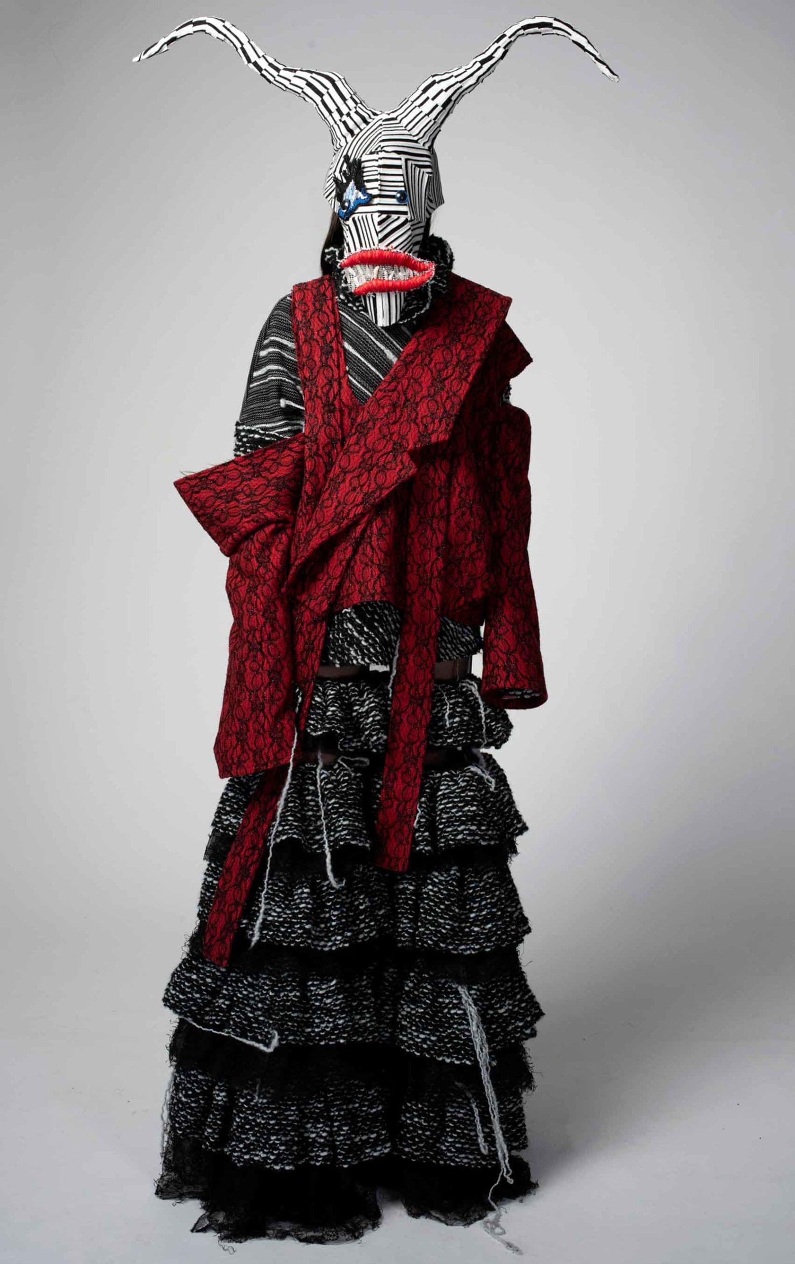 הפרעה נפשית - נטע אילוז, קולקציית גמר, ויצו חיפה, עיצוב אופנה