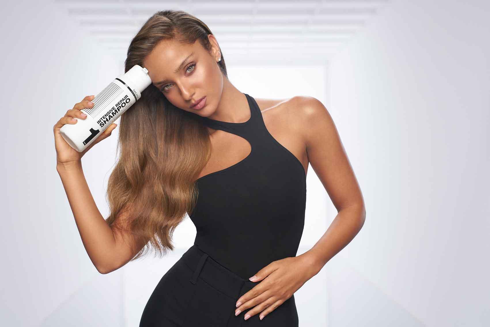 נטע-אלחמיסטר-אופנה-סקארה-ביוטי-איפור-טרנדים-סטייל-אופנת-נשים-מגזין-אופנה
