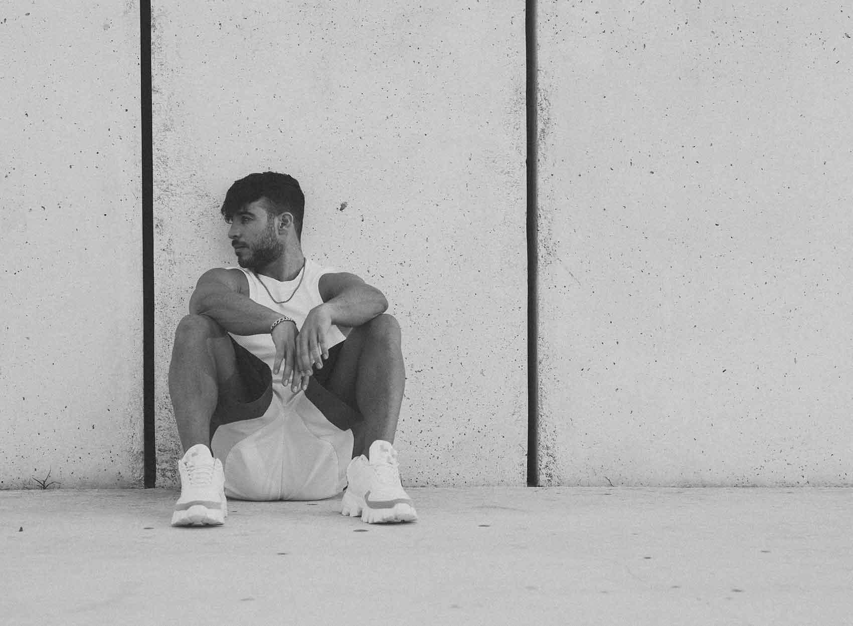 אייל ברקובר - Eyal Berkover, צילום: חן לוי - Chen Levi, מעצב אופנה: תומר סטולבוב - Tomer Stolbov-אופנה-ישראלית