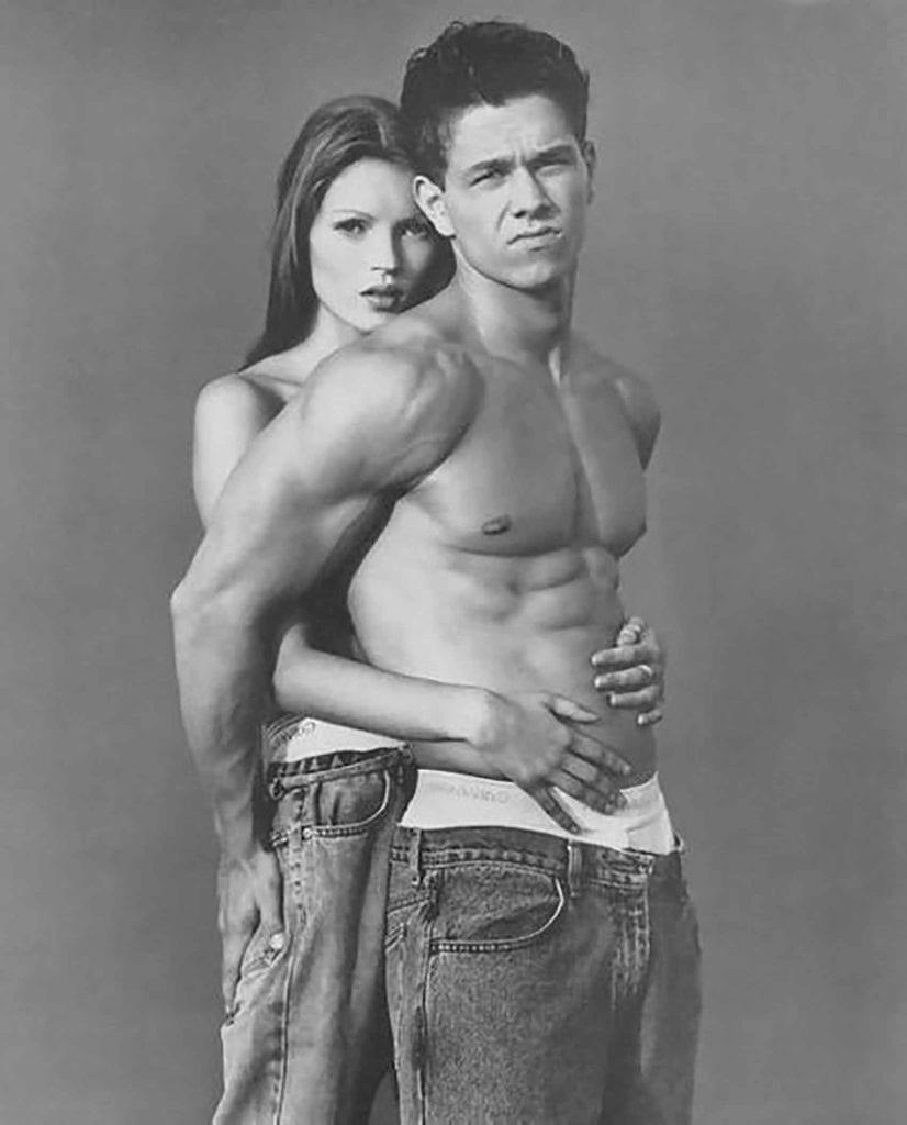 1994. קייט מוס ומארק וולברג ל-Ck. צילום: צילום: סטיבן מייזל