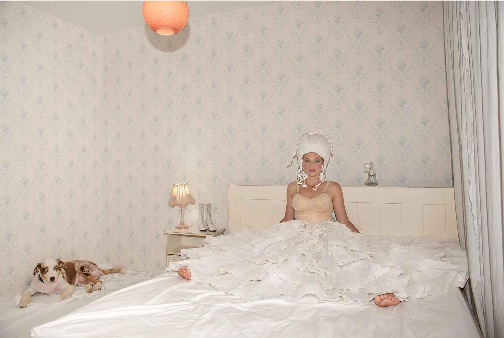 צילום: ליז כדר, מעצבת בנייר: מירב פלג, איפור: יעל ברזילי, דוגמנית: ליזה טרטרוב-מגזין-אופנה