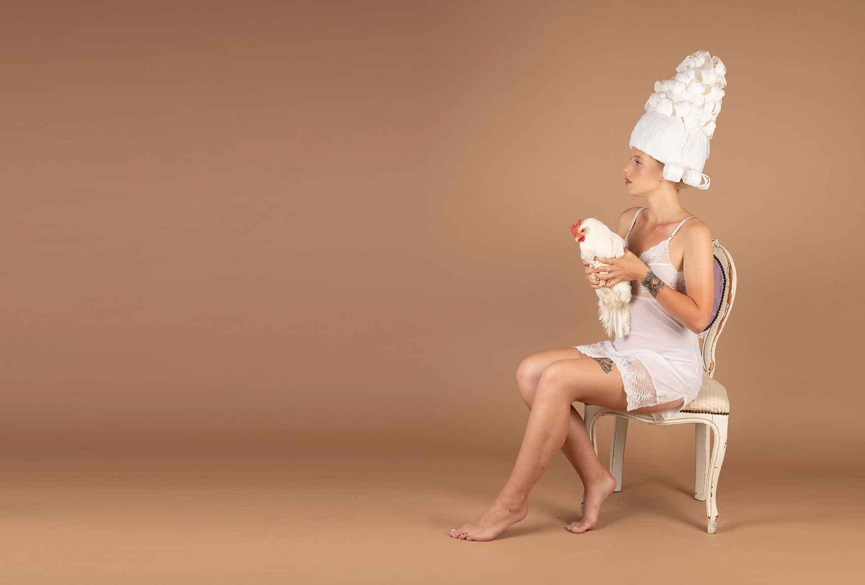 צילום: ליז כדר, מעצבת בנייר: מירב פלג, איפור: יעל ברזילי, דוגמנית: ליזה טרטרוב-מגזין-אופנה-אונליין