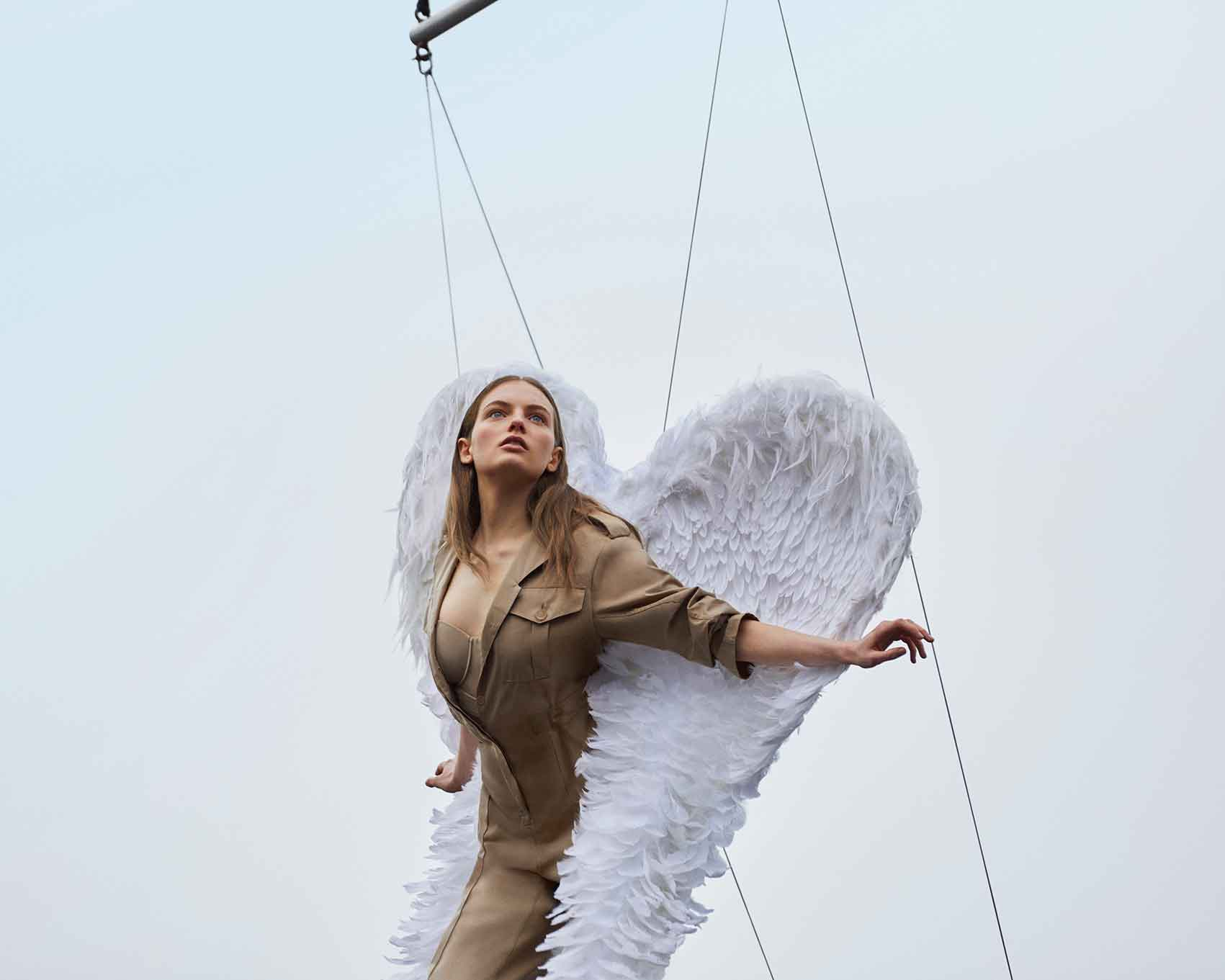 Fran-Summers-Burberry-Her-פארן-סאמרס-מגזין-אופנה-דיגטלי
