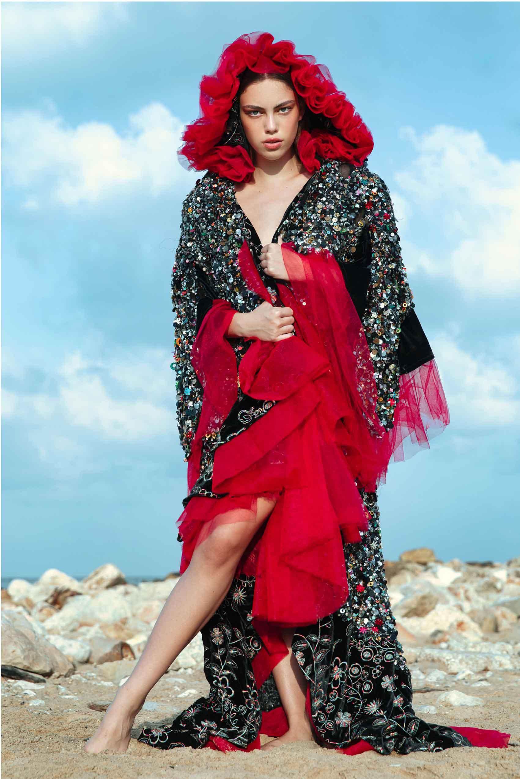 כוח-נשי-הפקות-אופנה- שמלה ועליונית: אליזבת בראון