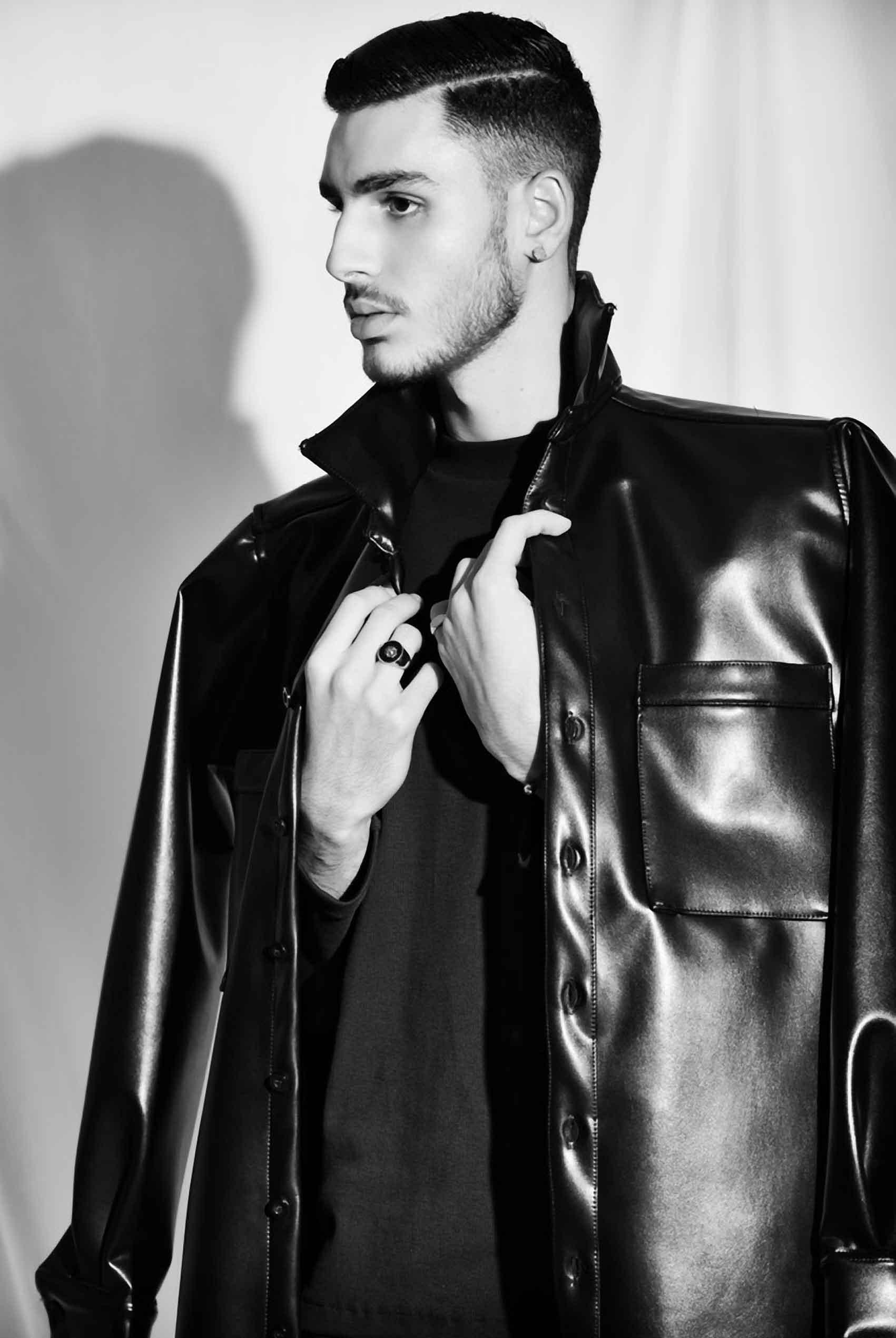 מישל הייק: צילום: משה אהרון, עיצוב שיער: יוקי שרוני, סטיילינג: חן ששון, הפקה: אפי אליסי - Fashion Israel - אינסטגרם: fashionisrael.mag -מגזין אופנה-מגזין-גברים