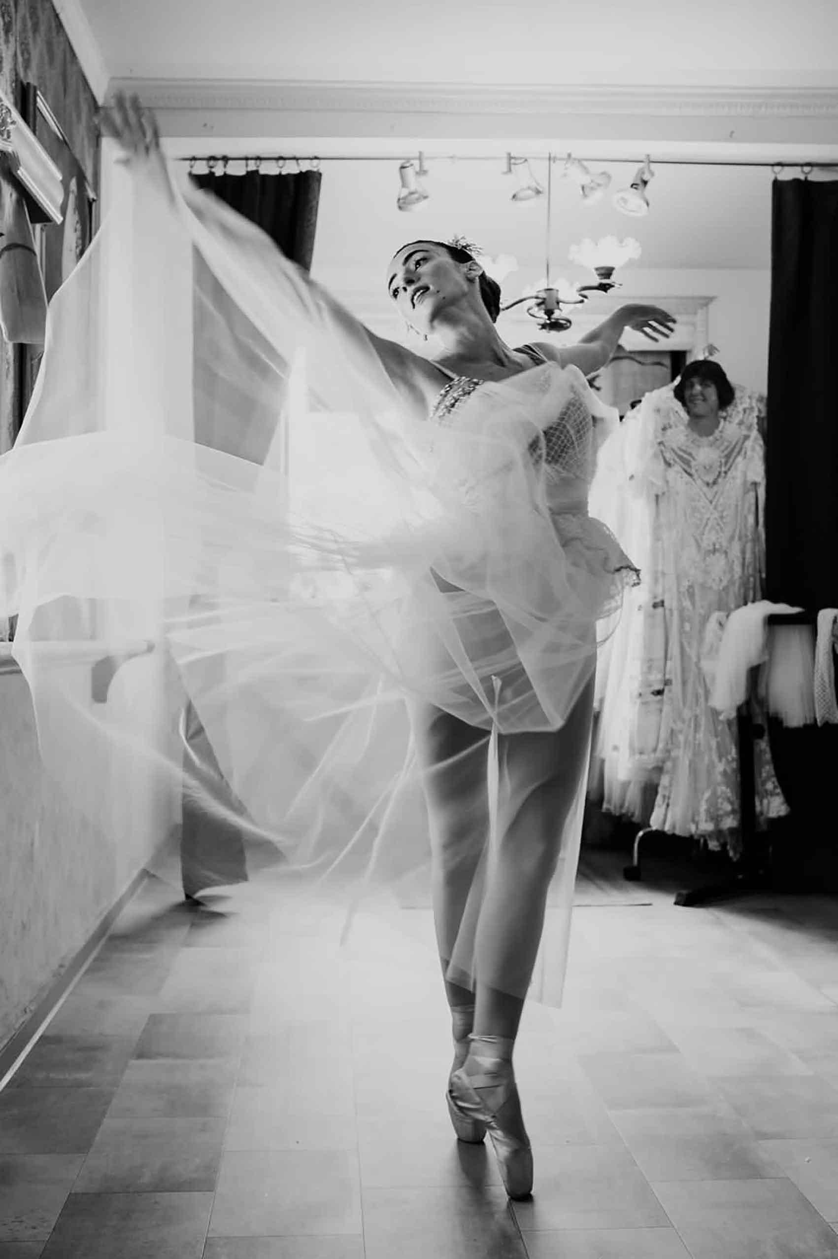 הפקות-אופנה-שמלות-כלה-ראומה-ויואל-מגזין-אופנה
