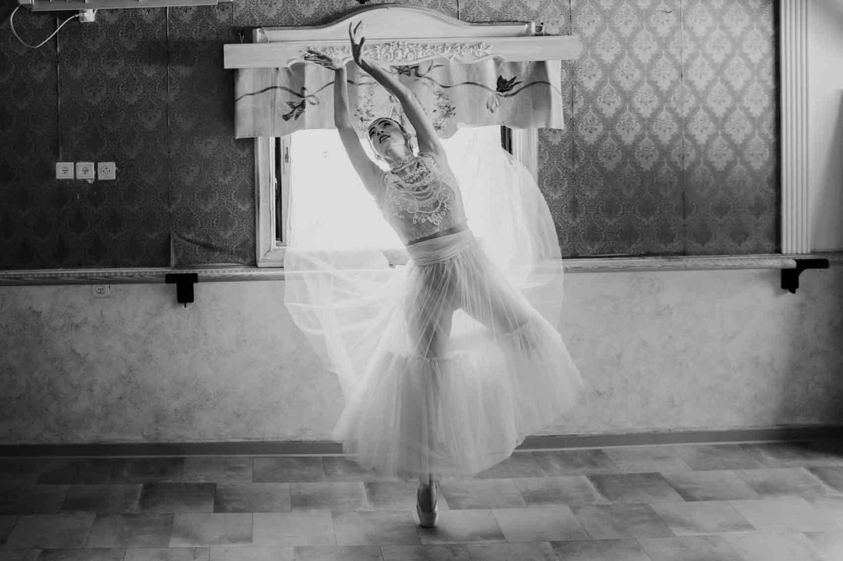קורונה-שמלות-כלה-ראומה-ויואל-מגזין-אופנה