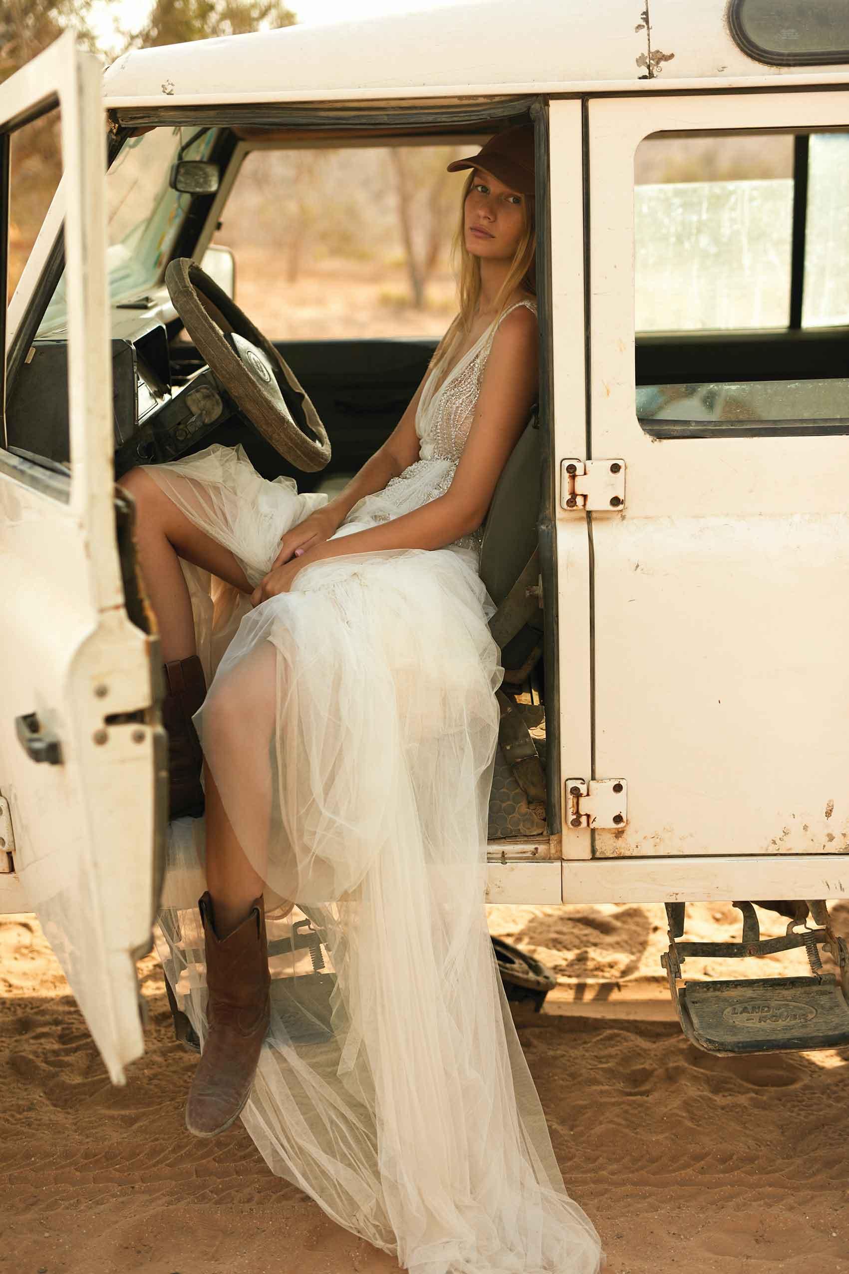 סופיה_מצטנר_ליז_מרטינז_שמלות_כלה_2021_כתבות_אופנה