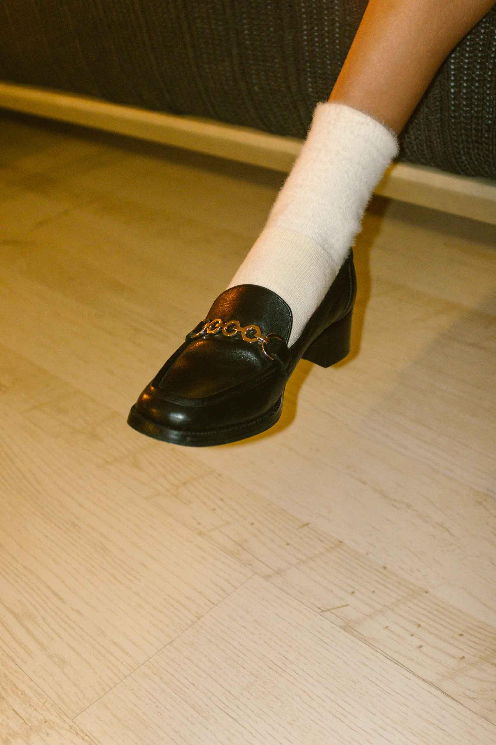 הפקת אופנה- dream story. צלם- מושיקו טישלר, סטייליסטית- נועה שבי, איפור שיער- רעות טוריאל, דוגמנית- ליר עוז (סוכנות יולי). נעליים: ניין ווסט