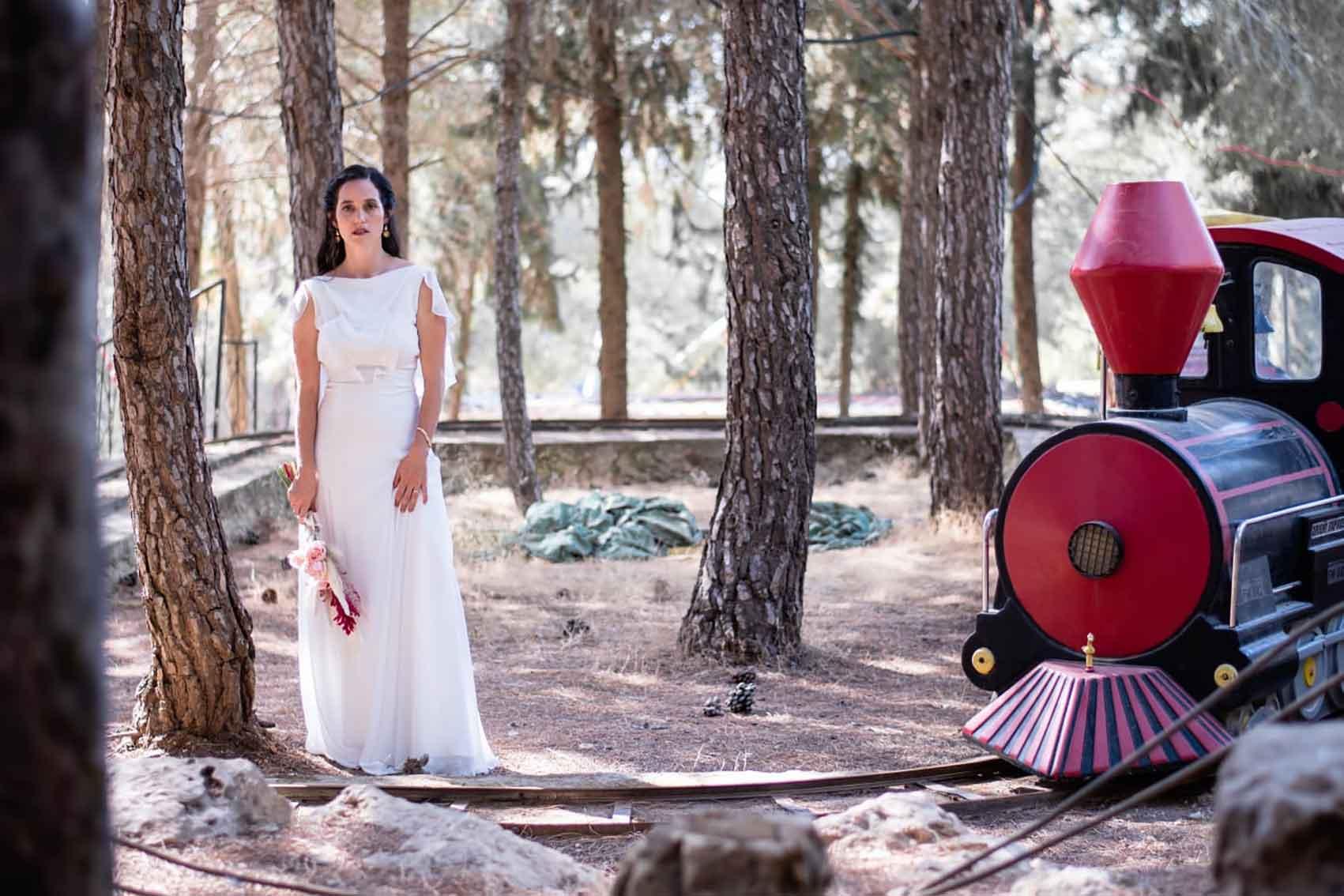 אהבת-הדס-שמלות-כלה-ב-700-שקל-מגזין-אופנה