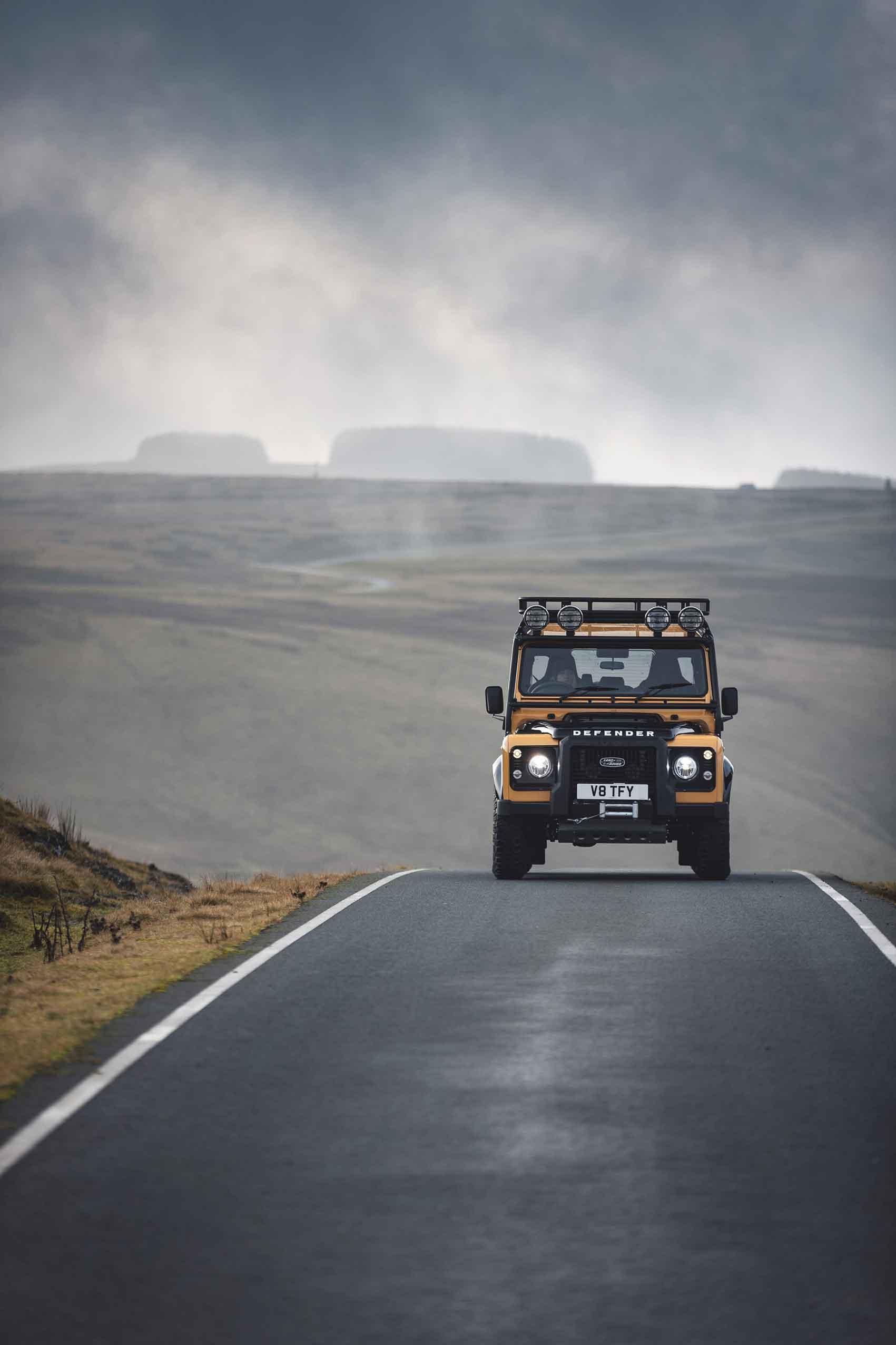 ללנד רובר-רכב אופנתי דיפנדר טרופי 2021 צילום יחצ חול
