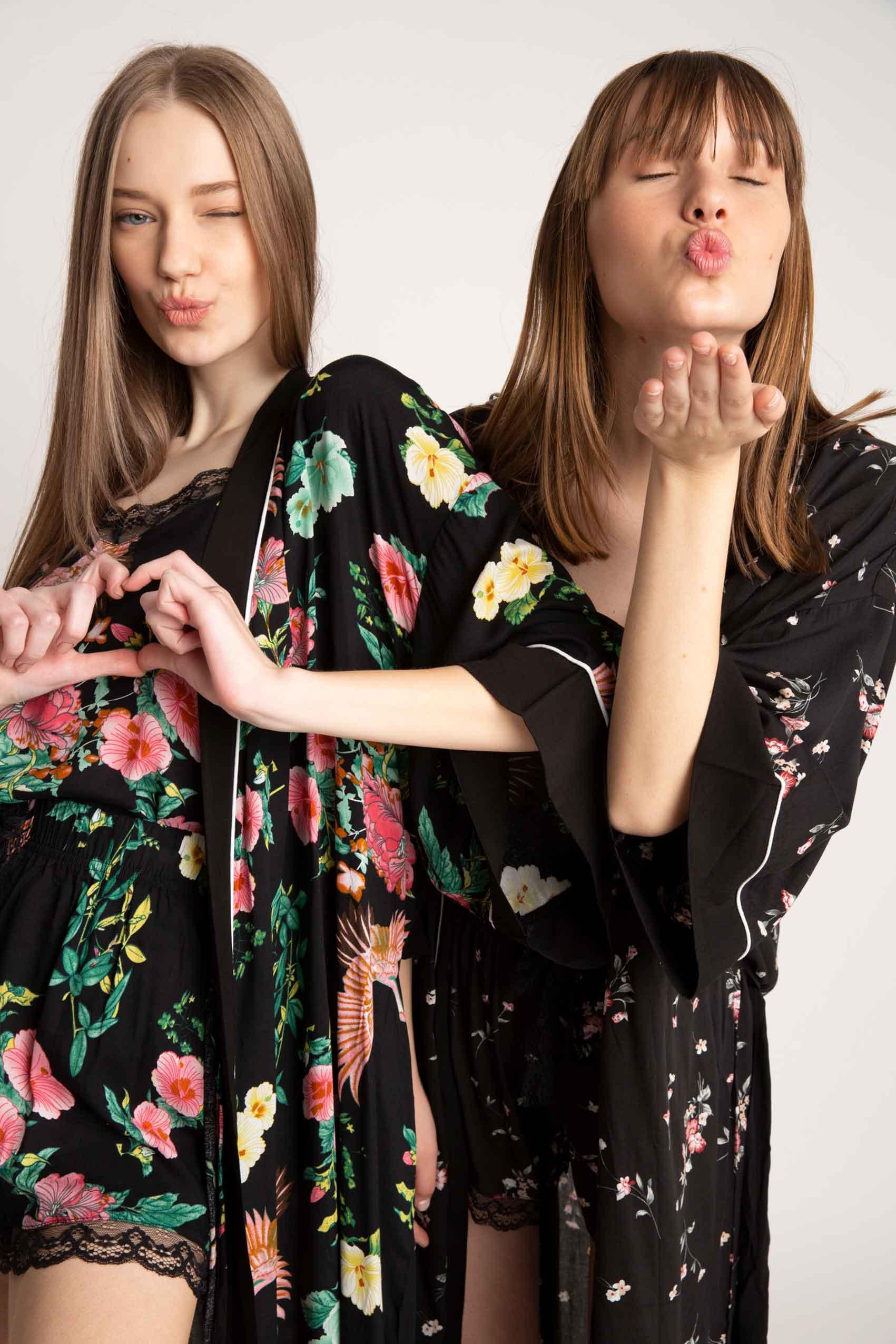 חדשות_האופנה_H&O-גופיה-29.90-שח,-מכנסון-29.90-שח,-חלוק-99.90-שח-צילום-תומר-לופשקו