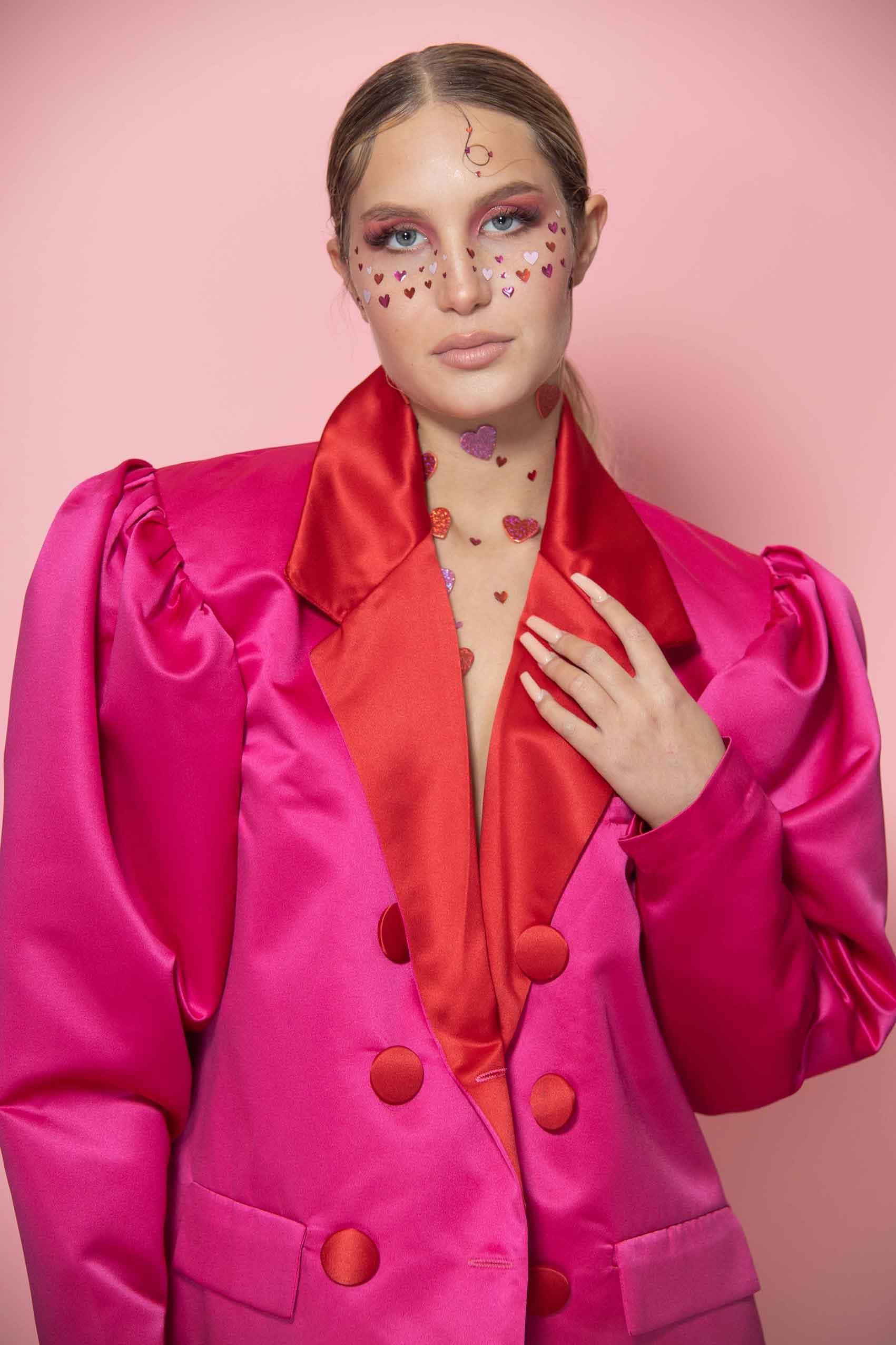 מגזין-אופנה-ביוטי-Somebody to Love - צילום: ענבל אולגה רביץ, סטיילינג: שני בנבניסטי, איפור: נועם בן דויד, עיצוב שיער: מוריה הראל, דוגמנית: שלי ארנסבורג