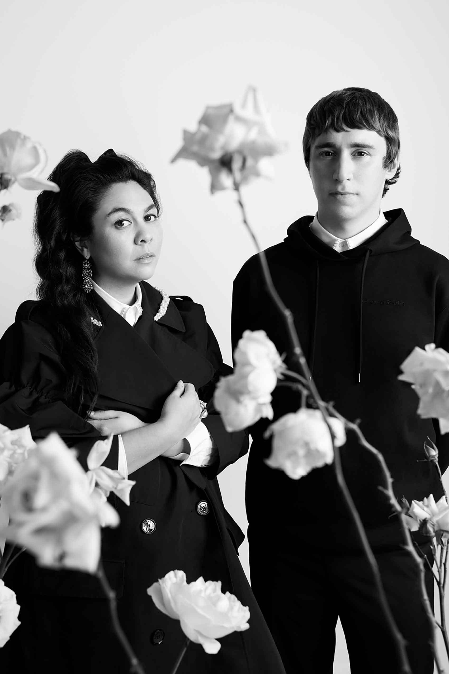חדשות_האופנה_Simone-Rocha-and-Robbie-Spencer