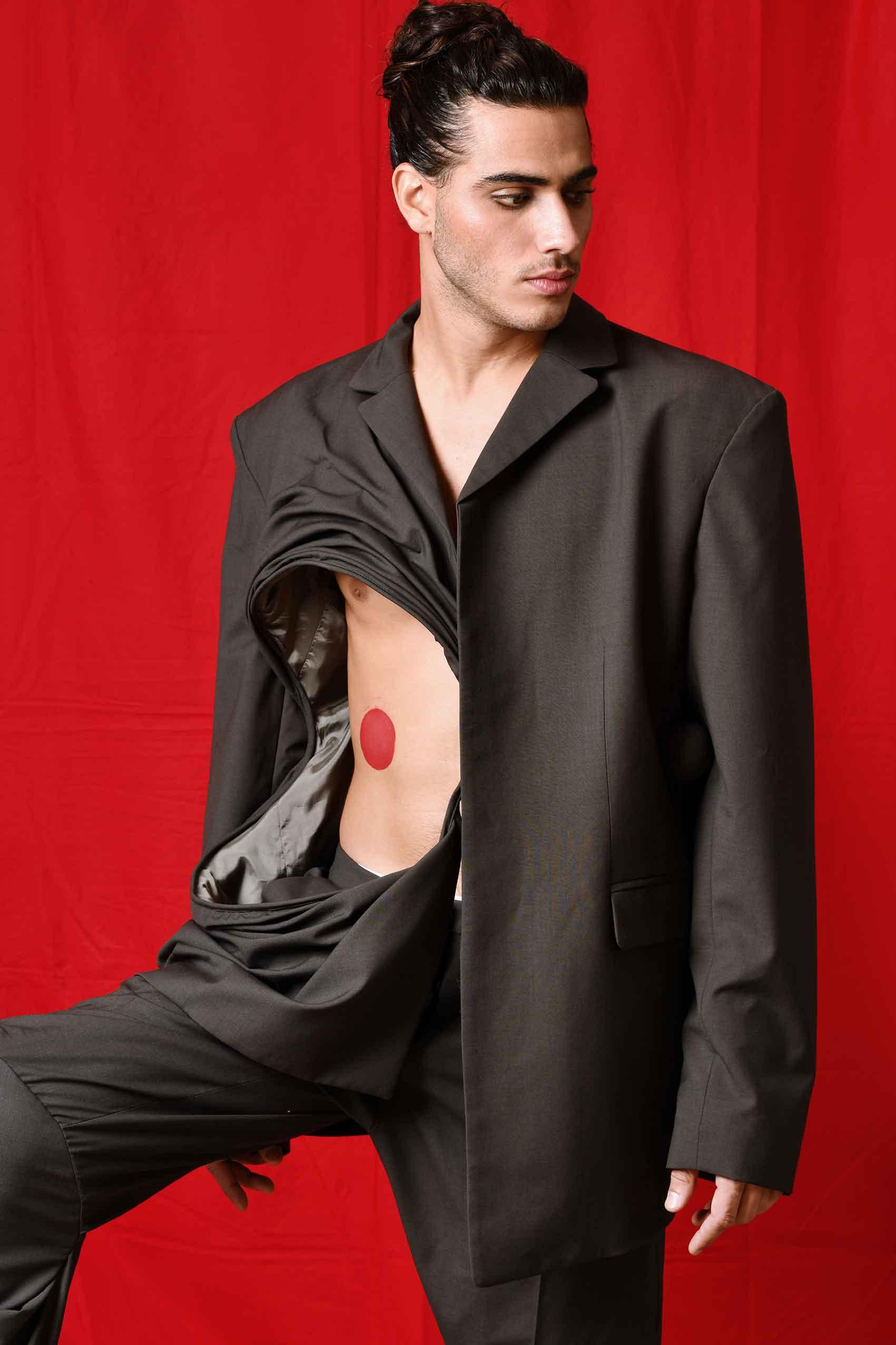 הפקות_אופנה_צילום: משה אהרון, ארט ואיפור: דנה ברכה, סטיילינג: חן ששון, דוגמן: בר אשכנזי, הפקה: Fashion Israel_מגזין_אופנה_לגבר