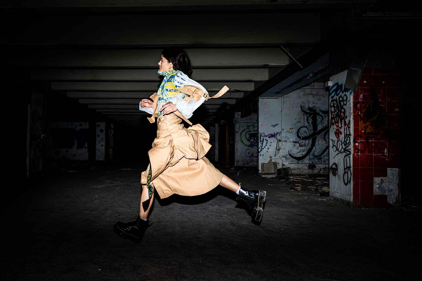 הפקות_אופנה_עיצוב אופנה: מאיה אורשקינה, צילום: שחר טישלר, איפור & שיער: נאילה זרקאוי, דוגמניות: סופיה שקוליפה, יוליה גולביץ', ניקה סמיצ'יק, דנה ירקוני-03