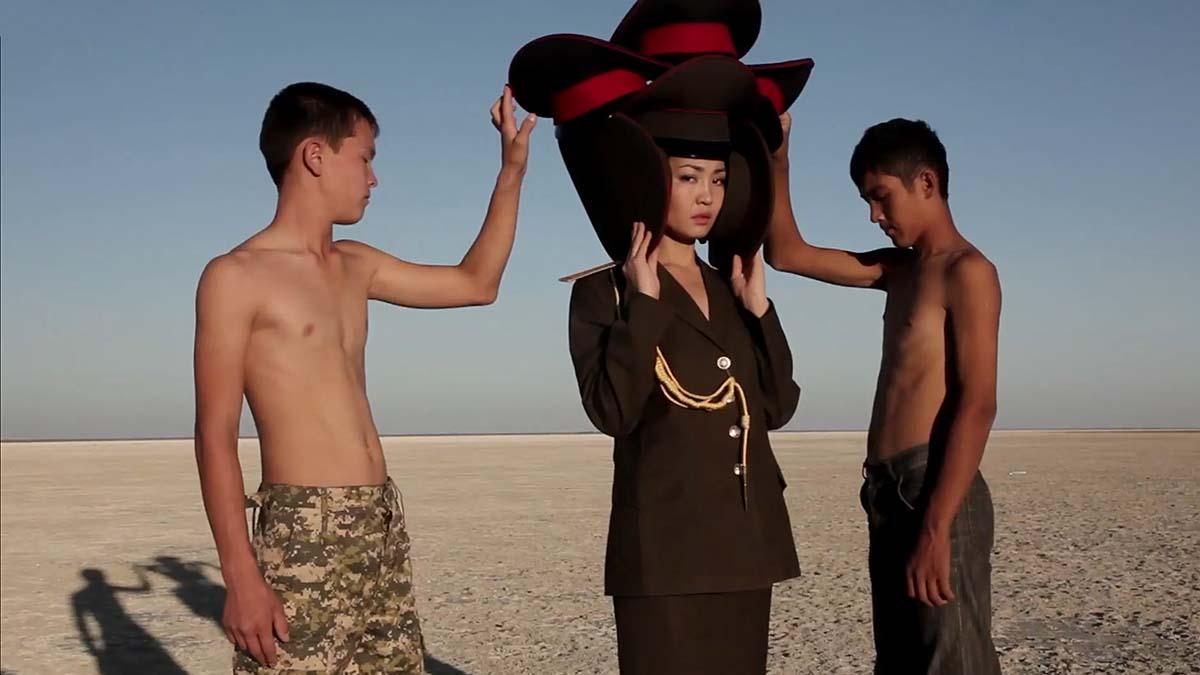 Almagul Menlibayeva-אופנה