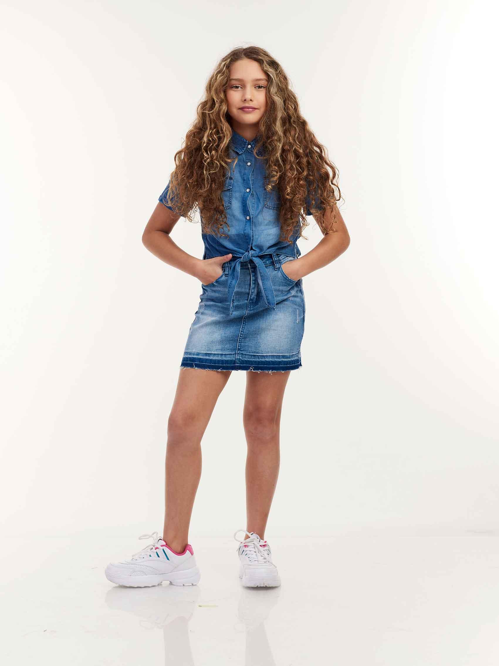 לי-קופר-קידס-חצאית-ג'ינס-119.9-שח,-חולצת-ג'ינס-129.90-שח-צילום-עופר-חג'יוב