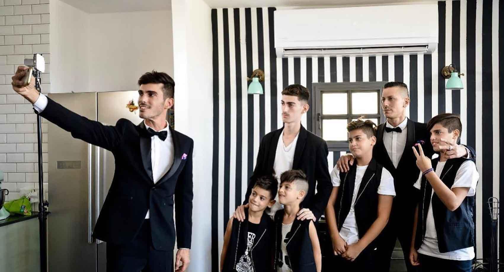 משפחה מודרנית. ערן ויצמן, מאיר אזולאי והילדים