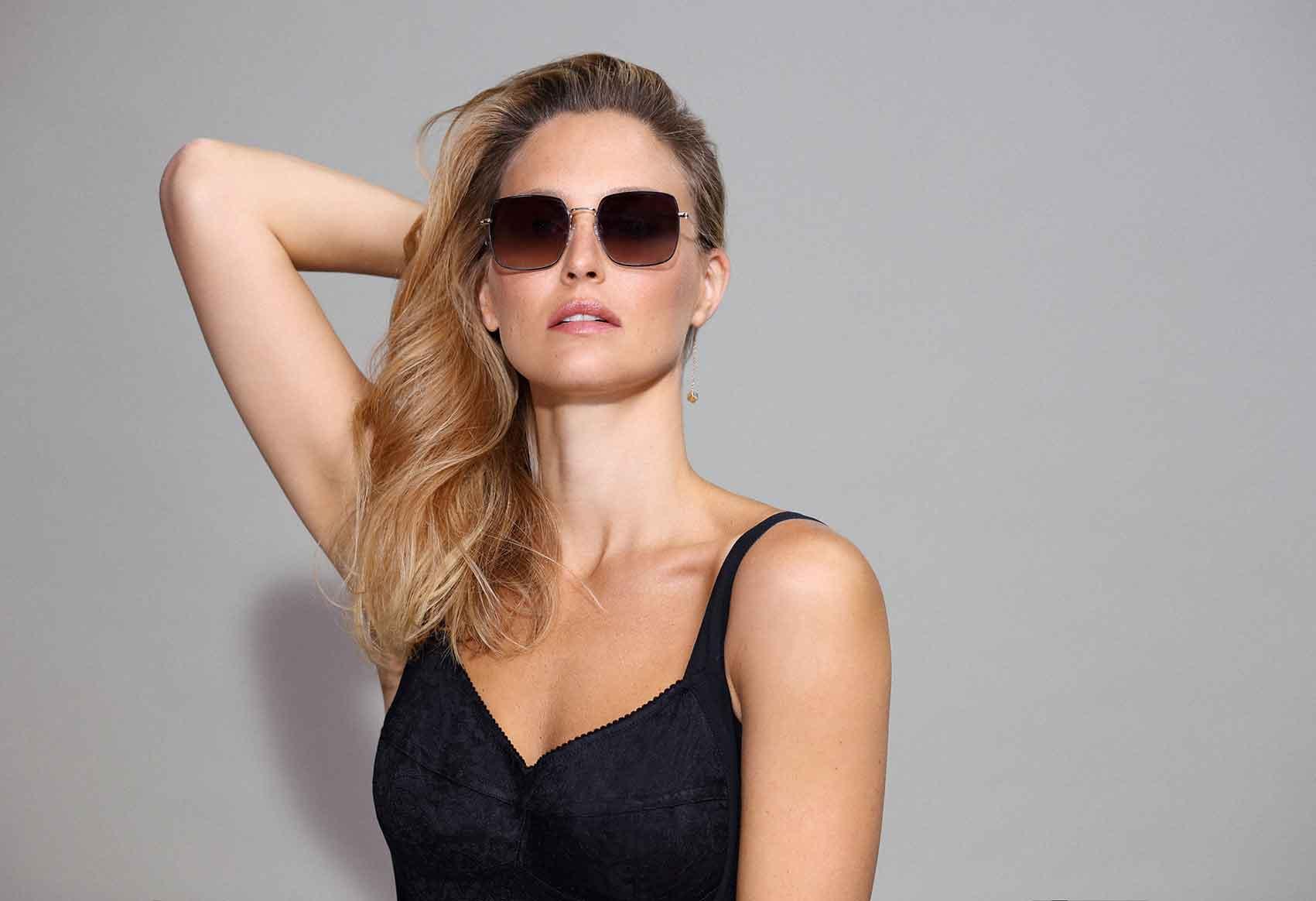 קרולינה-למקה-משקפי-עגילים-צילום-קרולינה-למקה-טרנדים-משקפי שמש