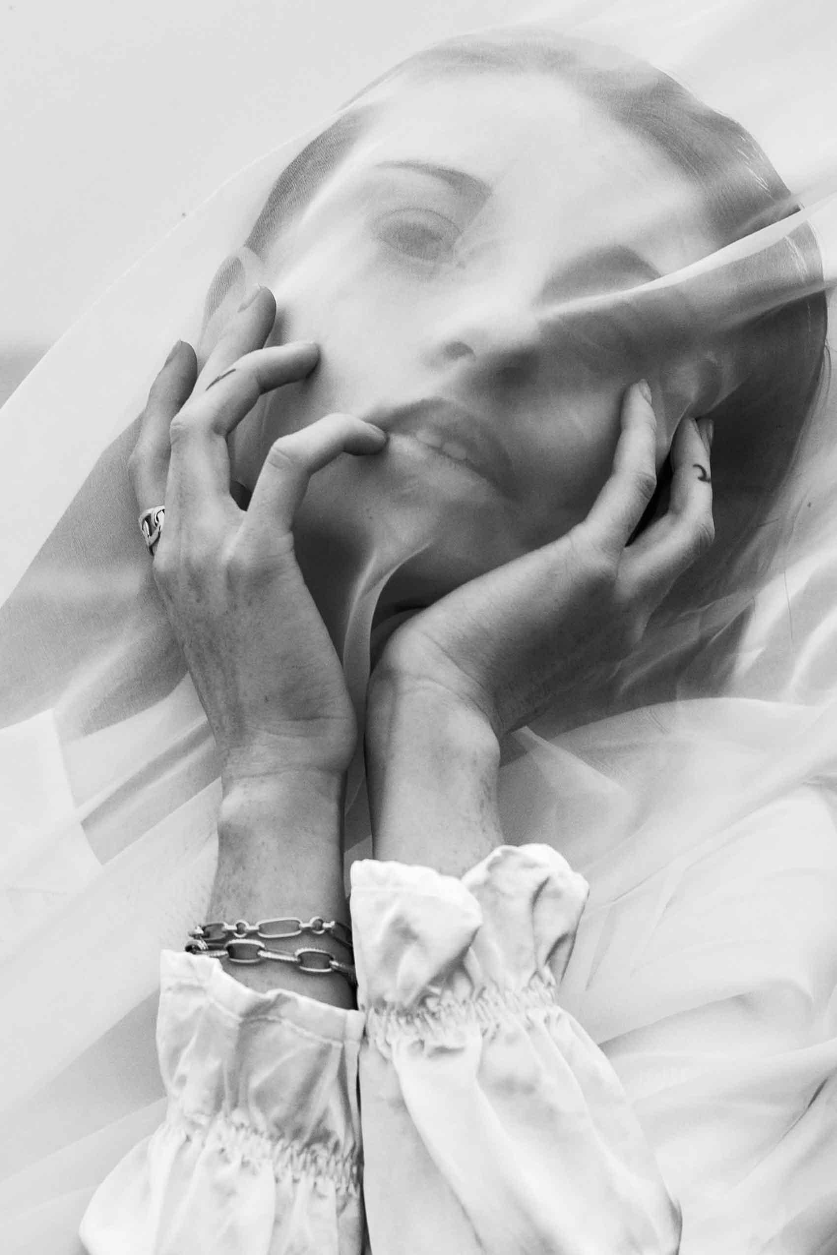 הפקות-אופנה-Photographer: PAVEL ZUBENKO, Model: ANASTASIA KUDRYAVTSEVA, Model Agency: HH MODEL, Styling: DANA ASHEROV, Hair Stylist & Makeup Artist: OLLA SIGUROV, Photographer Ass: EDO ASULIN -הפקות-אופנה