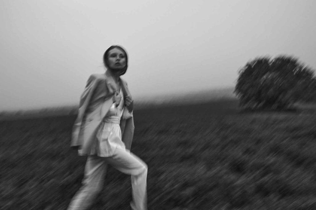 הפקות-אופנה-Photographer: PAVEL ZUBENKO, Model: ANASTASIA KUDRYAVTSEVA, Model Agency: HH MODEL, Styling: DANA ASHEROV, Hair Stylist & Makeup Artist: OLLA SIGUROV, Photographer Ass: EDO ASULIN -חדשות האופנה