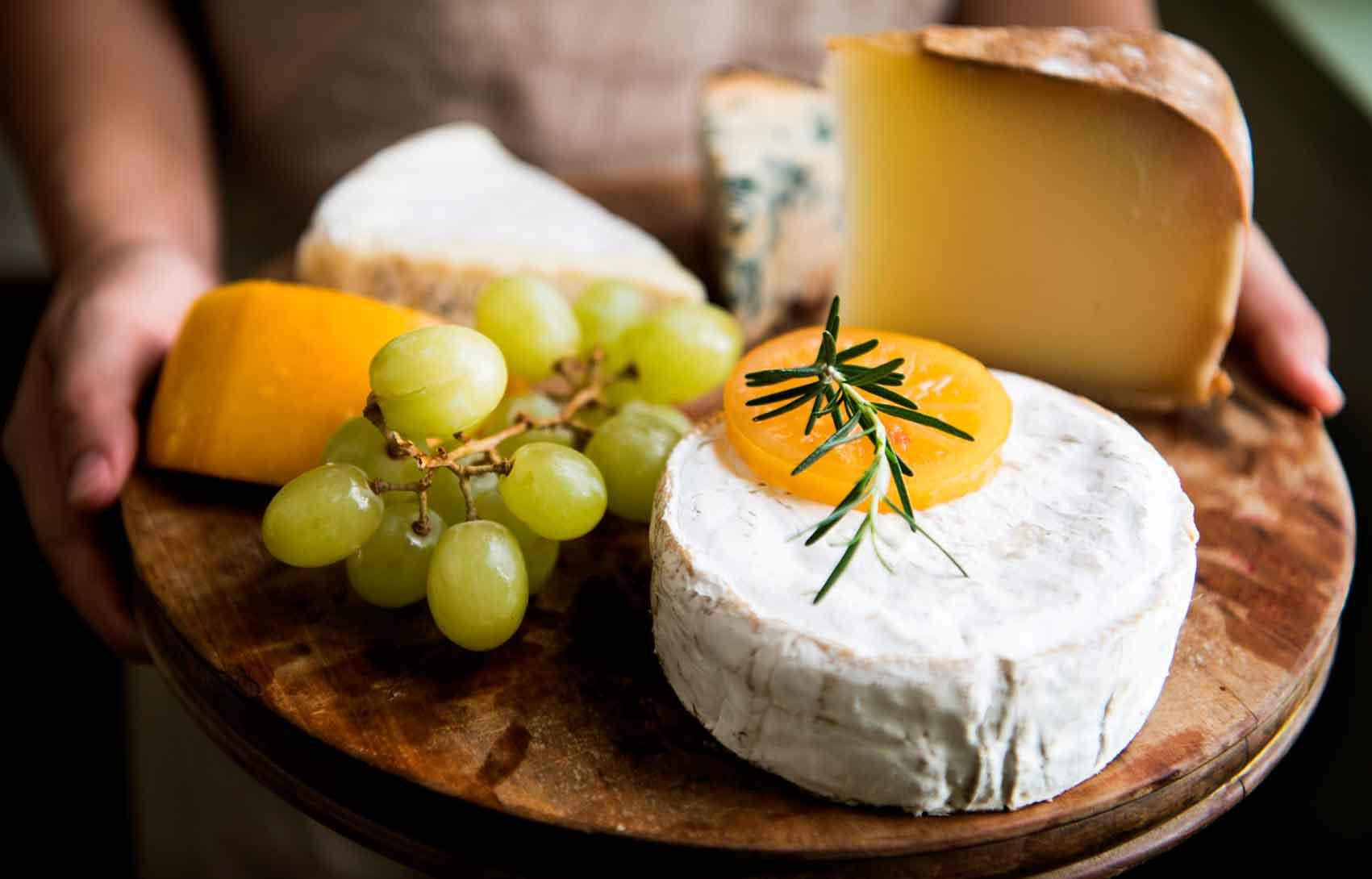 ישרקו-מקבוצת-טיב-טעם-בוצ'ר-גבינות-לשבועות-אופנה
