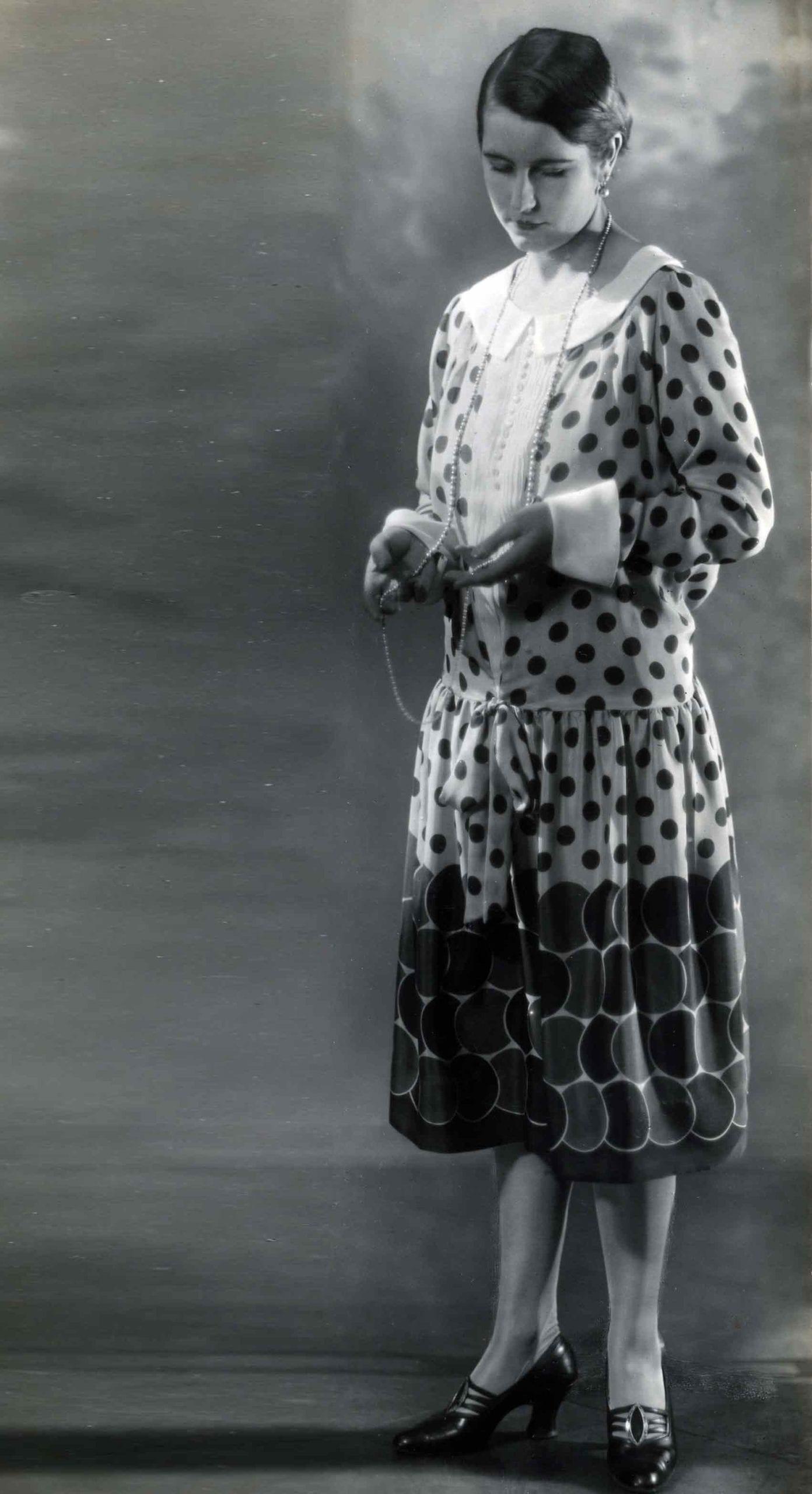 שמלת-פולקה-שנות-ה--20-אופנה