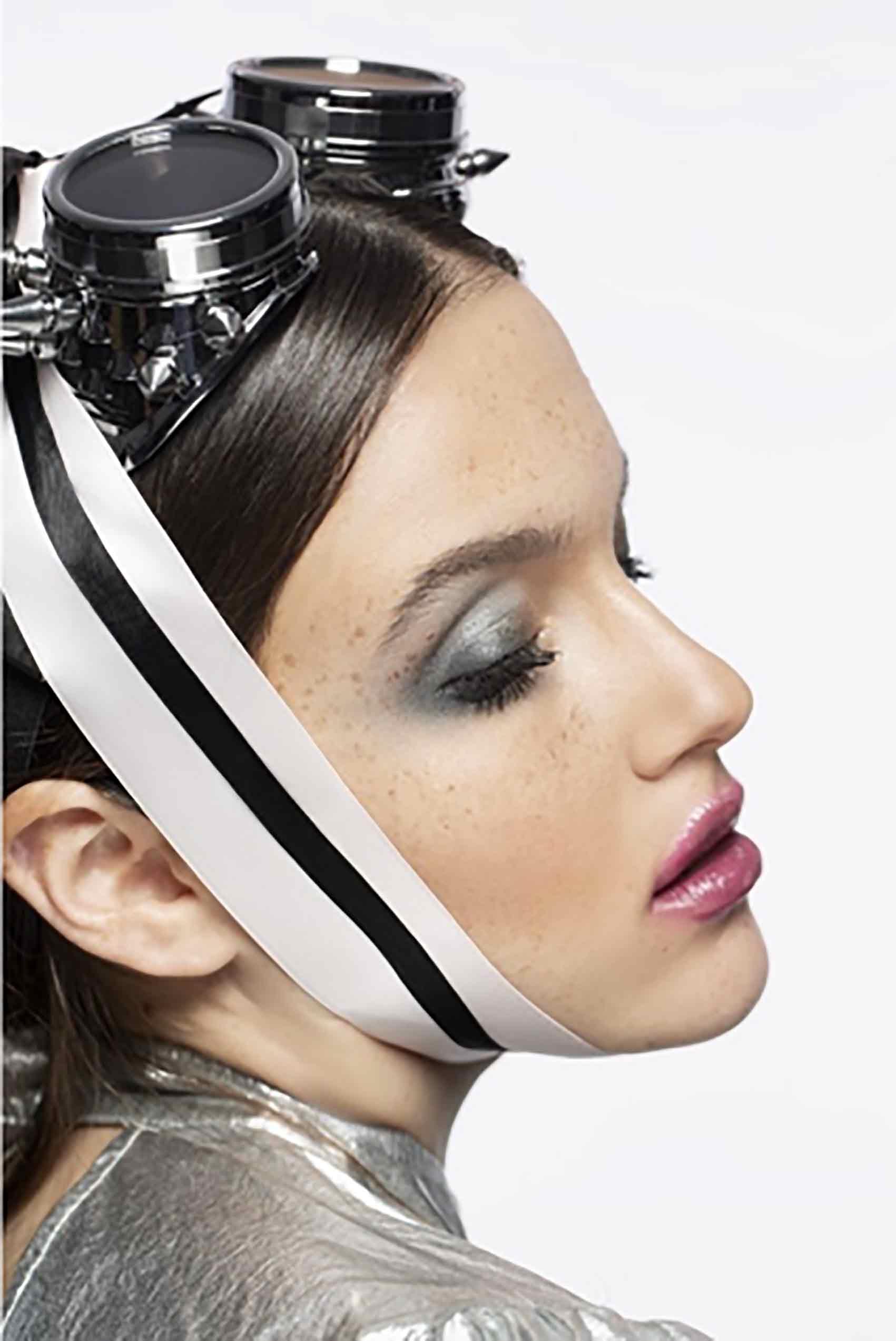 אופנה-איפור: ירין שחף צילום: מריה סלוביוב